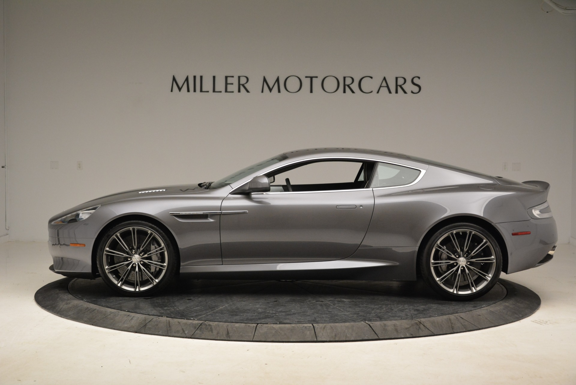 Used 2015 Aston Martin DB9  For Sale In Greenwich, CT 1951_p3