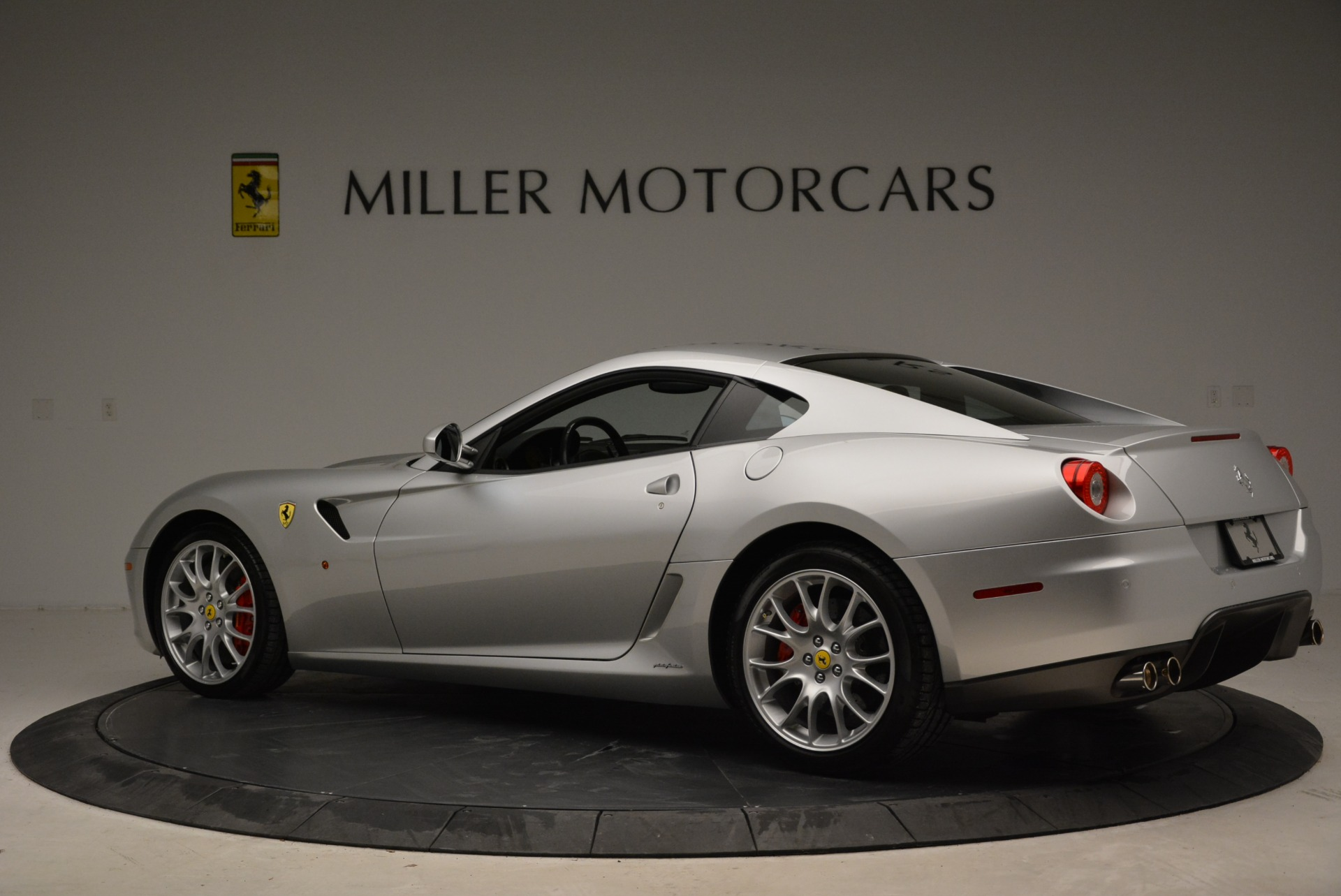 Used 2010 Ferrari 599 GTB Fiorano  For Sale In Greenwich, CT 1956_p4