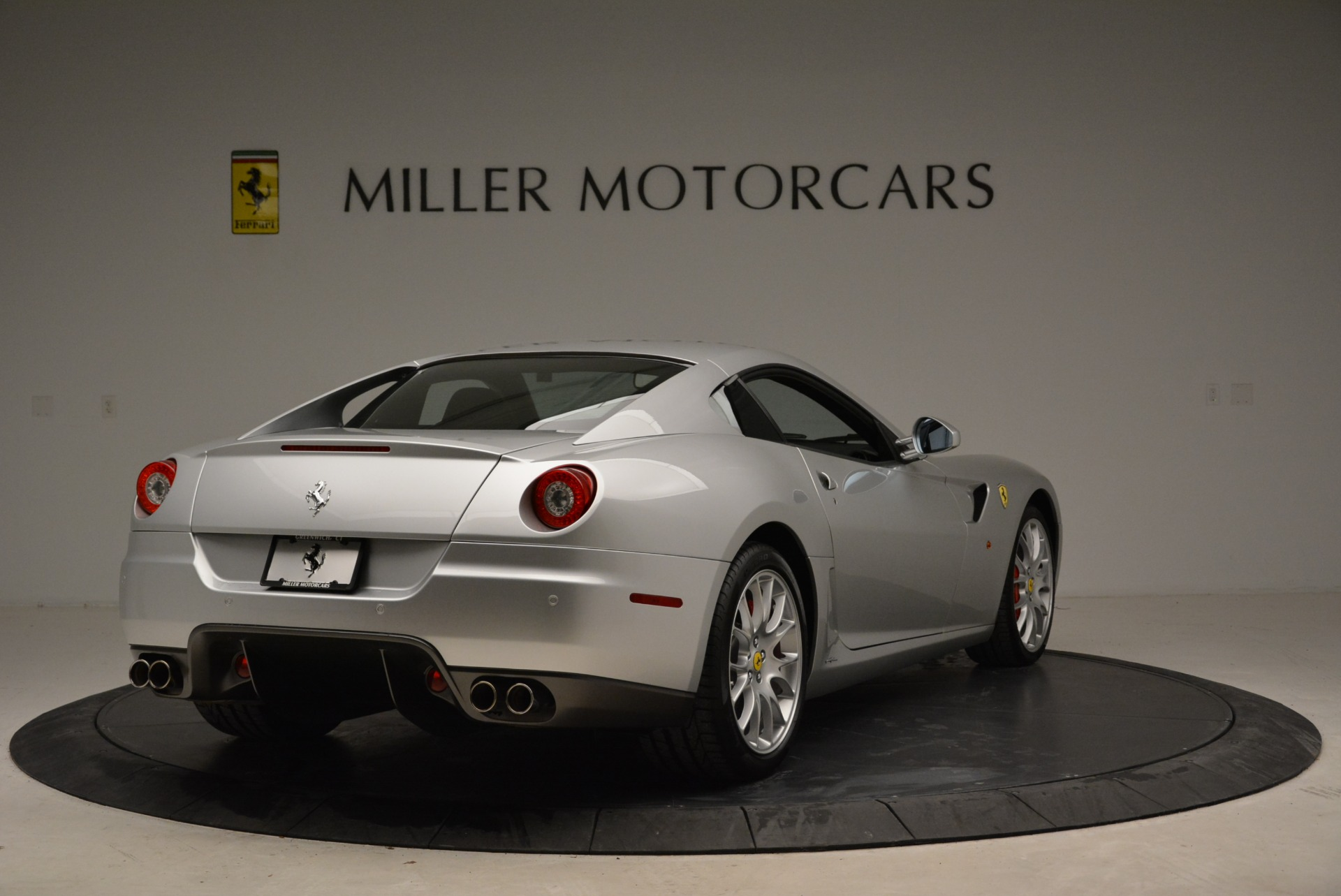 Used 2010 Ferrari 599 GTB Fiorano  For Sale In Greenwich, CT 1956_p7