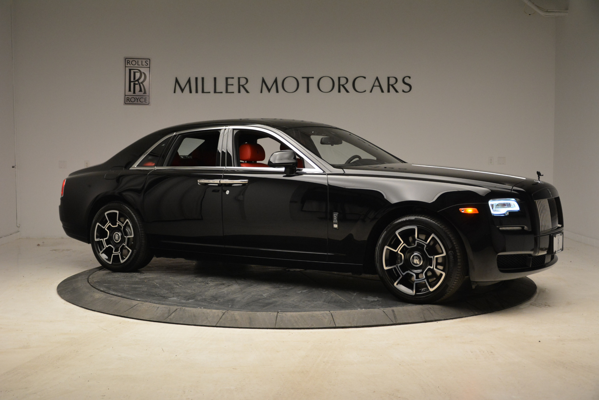 Used 2017 Rolls-Royce Ghost Black Badge For Sale In Greenwich, CT 1959_p10