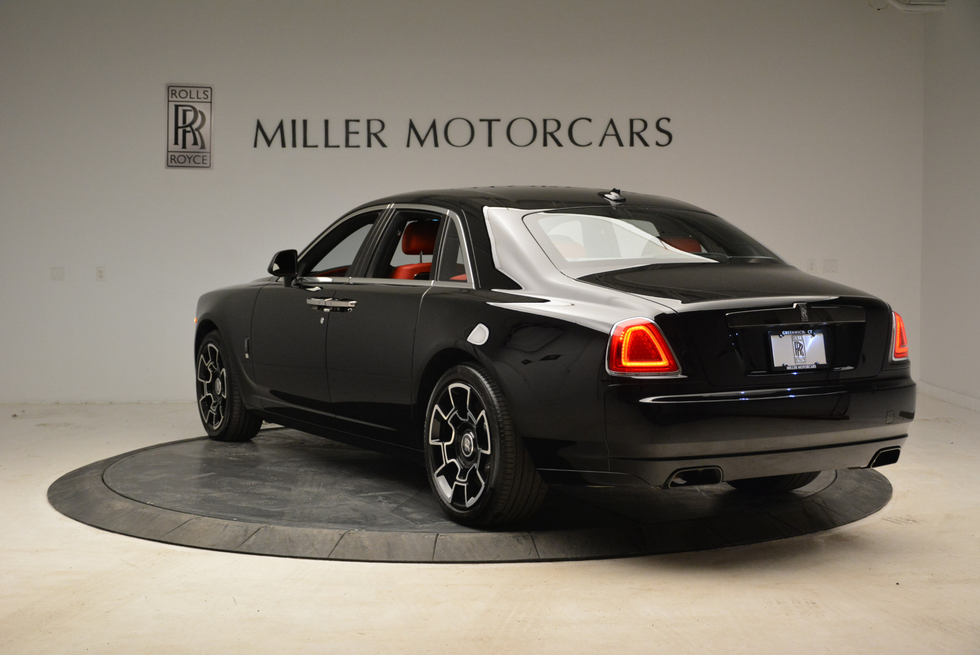 Used 2017 Rolls-Royce Ghost Black Badge For Sale In Greenwich, CT 1959_p5