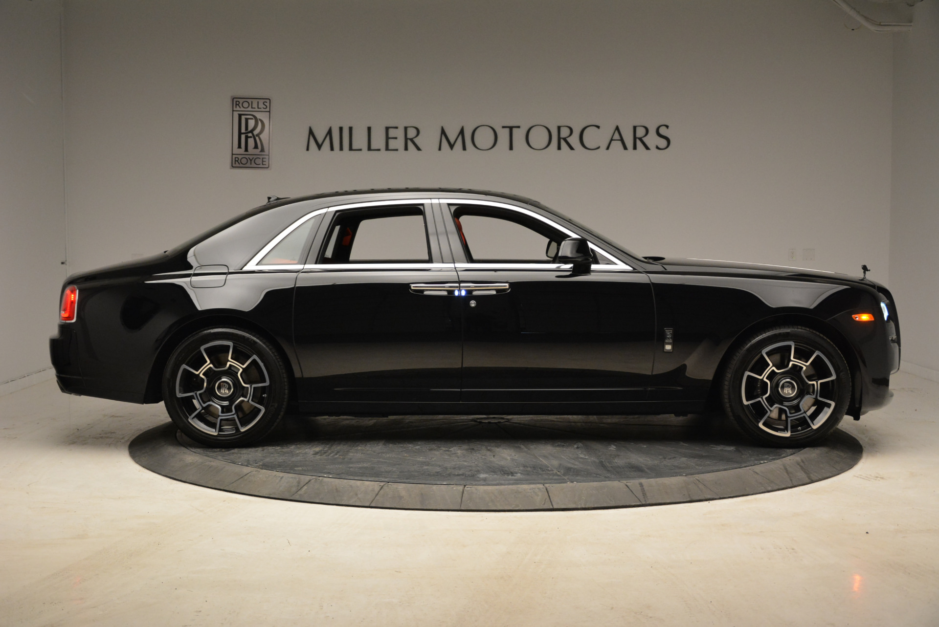 Used 2017 Rolls-Royce Ghost Black Badge For Sale In Greenwich, CT 1959_p9
