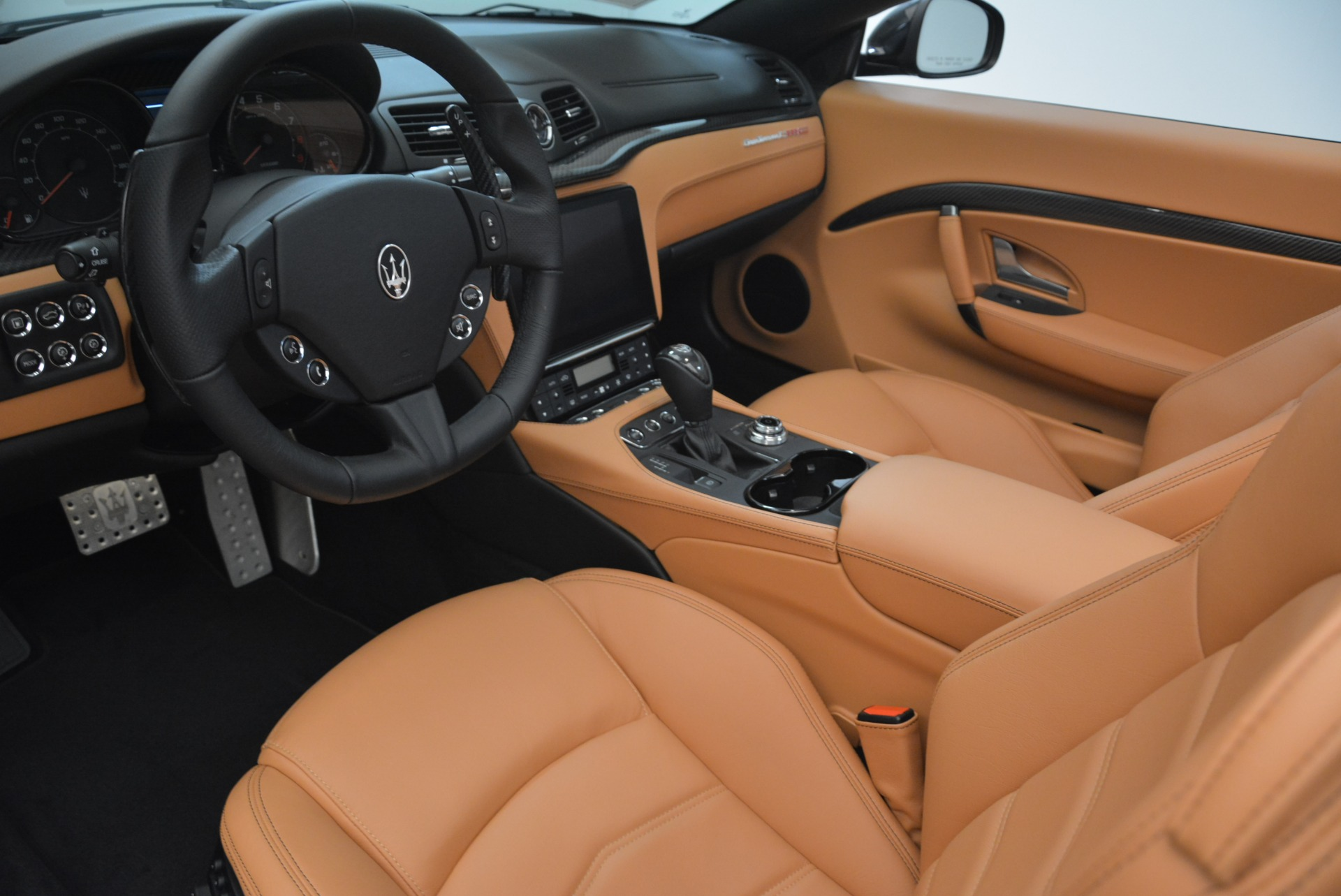 New 2018 Maserati GranTurismo MC Convertible For Sale In Greenwich, CT 1973_p24