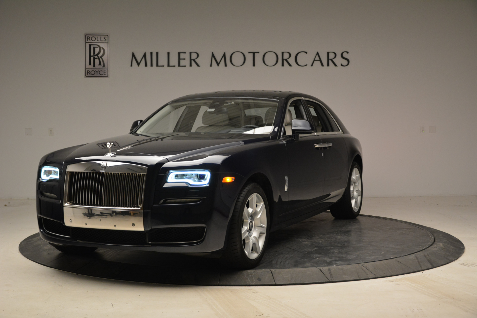 Used 2015 Rolls-Royce Ghost  For Sale In Greenwich, CT 1980_main