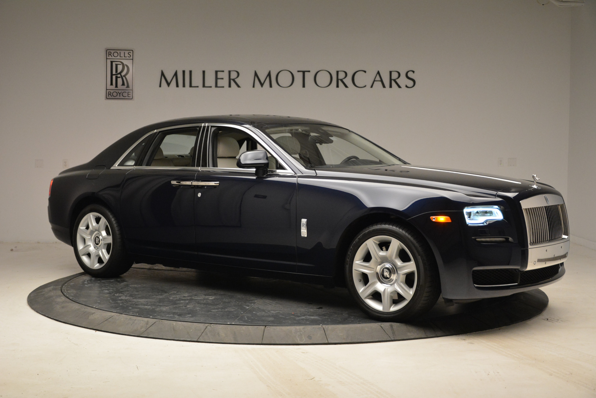 Used 2015 Rolls-Royce Ghost  For Sale In Greenwich, CT 1980_p10