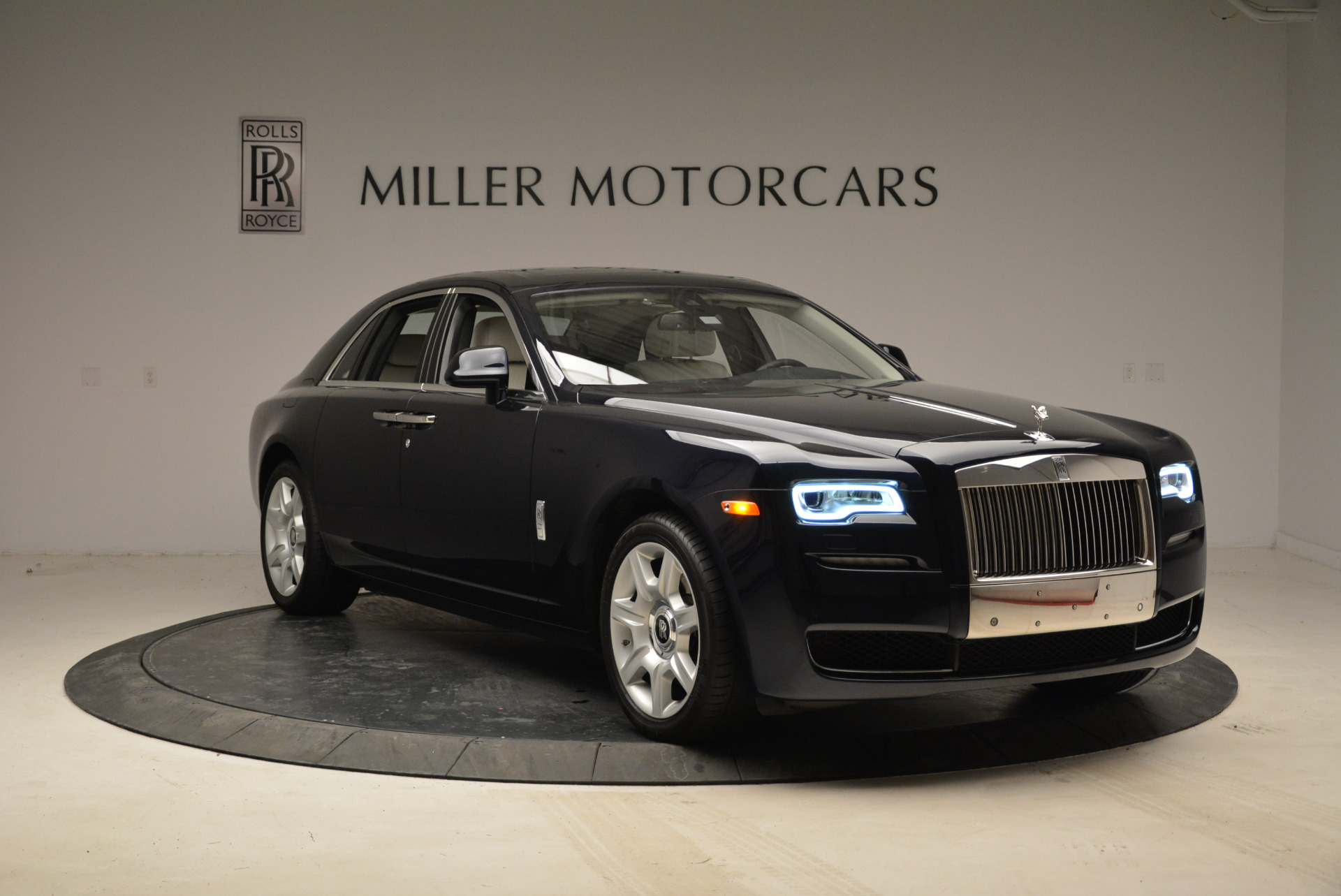 Used 2015 Rolls-Royce Ghost  For Sale In Greenwich, CT 1980_p11