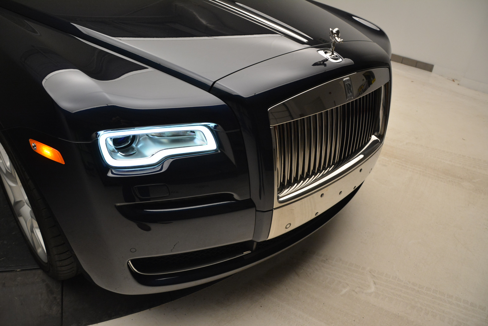 Used 2015 Rolls-Royce Ghost  For Sale In Greenwich, CT 1980_p14