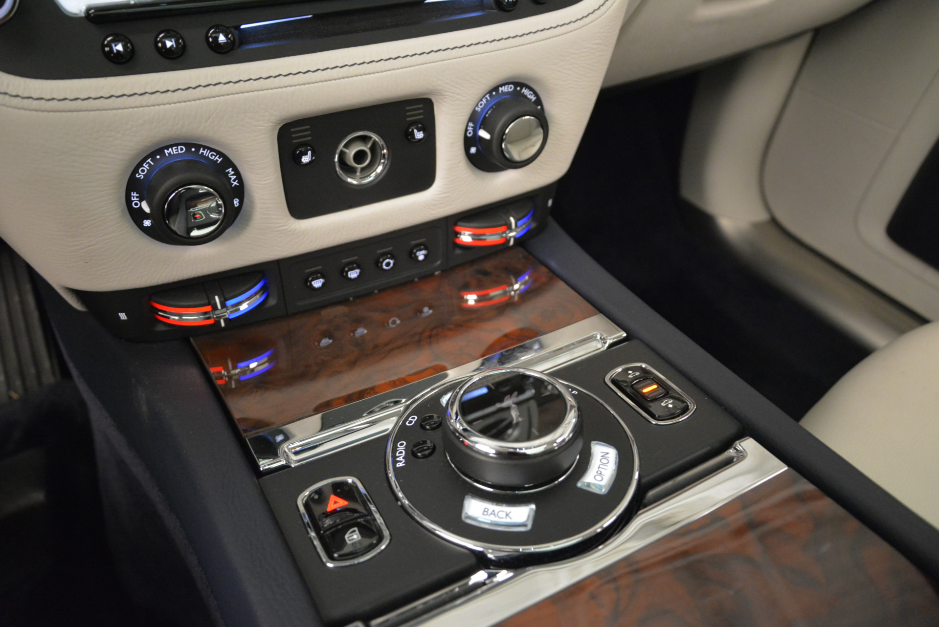 Used 2015 Rolls-Royce Ghost  For Sale In Greenwich, CT 1980_p23