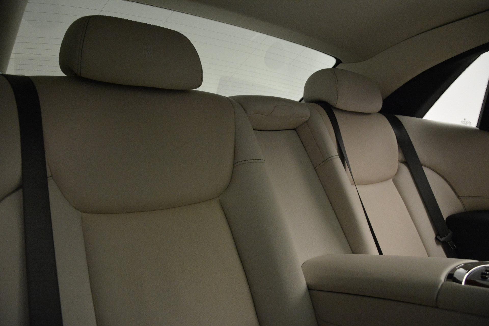 Used 2015 Rolls-Royce Ghost  For Sale In Greenwich, CT 1980_p30