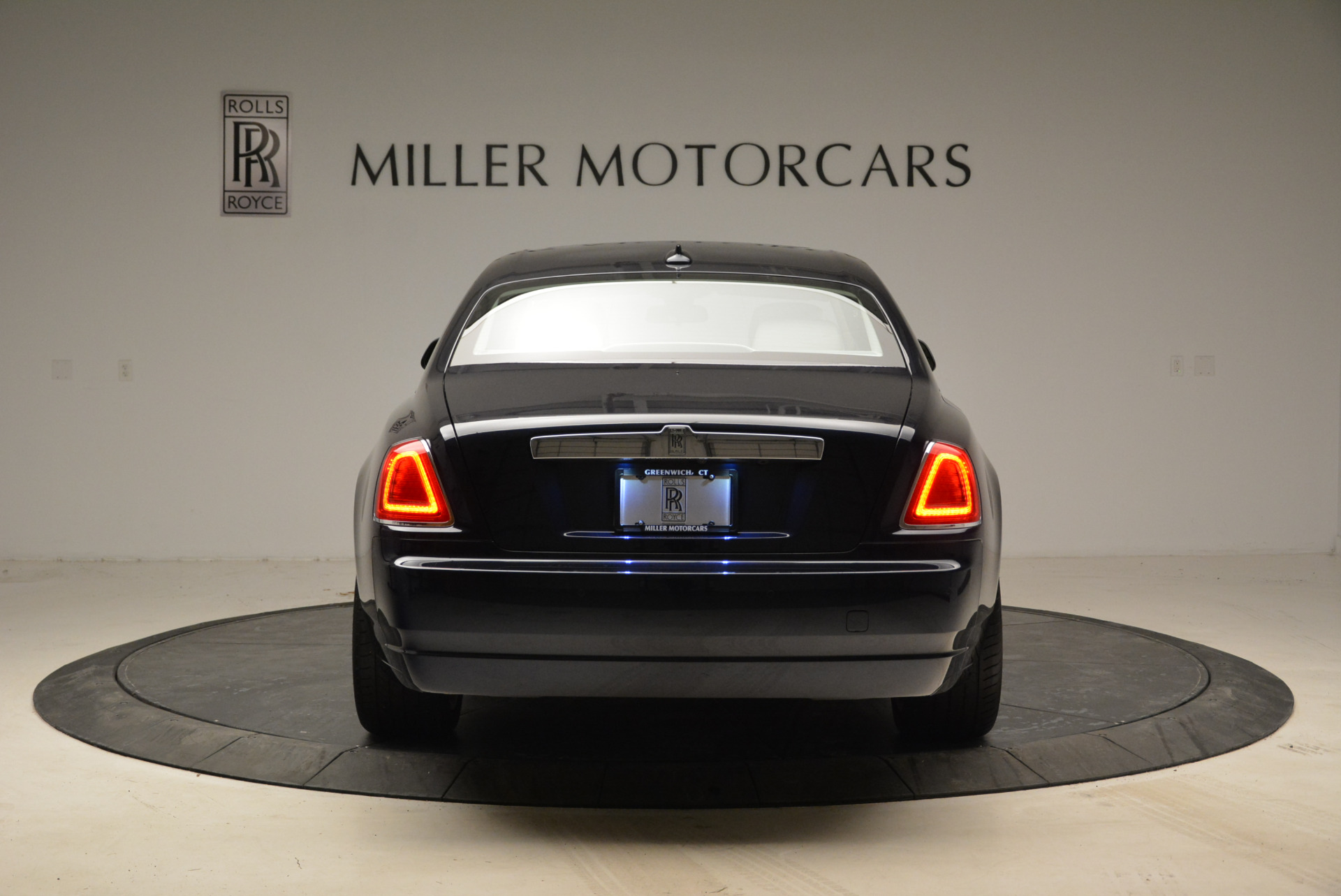 Used 2015 Rolls-Royce Ghost  For Sale In Greenwich, CT 1980_p6
