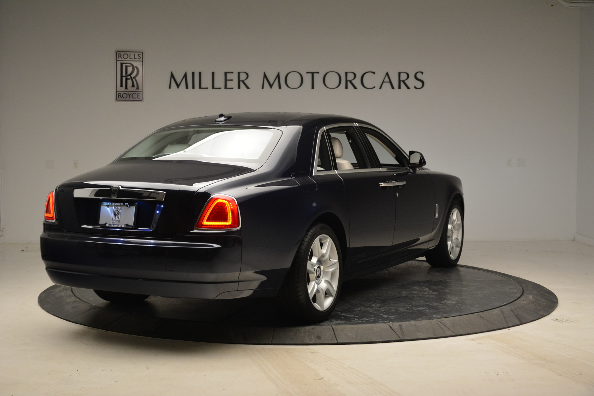 Used 2015 Rolls-Royce Ghost  For Sale In Greenwich, CT 1980_p7