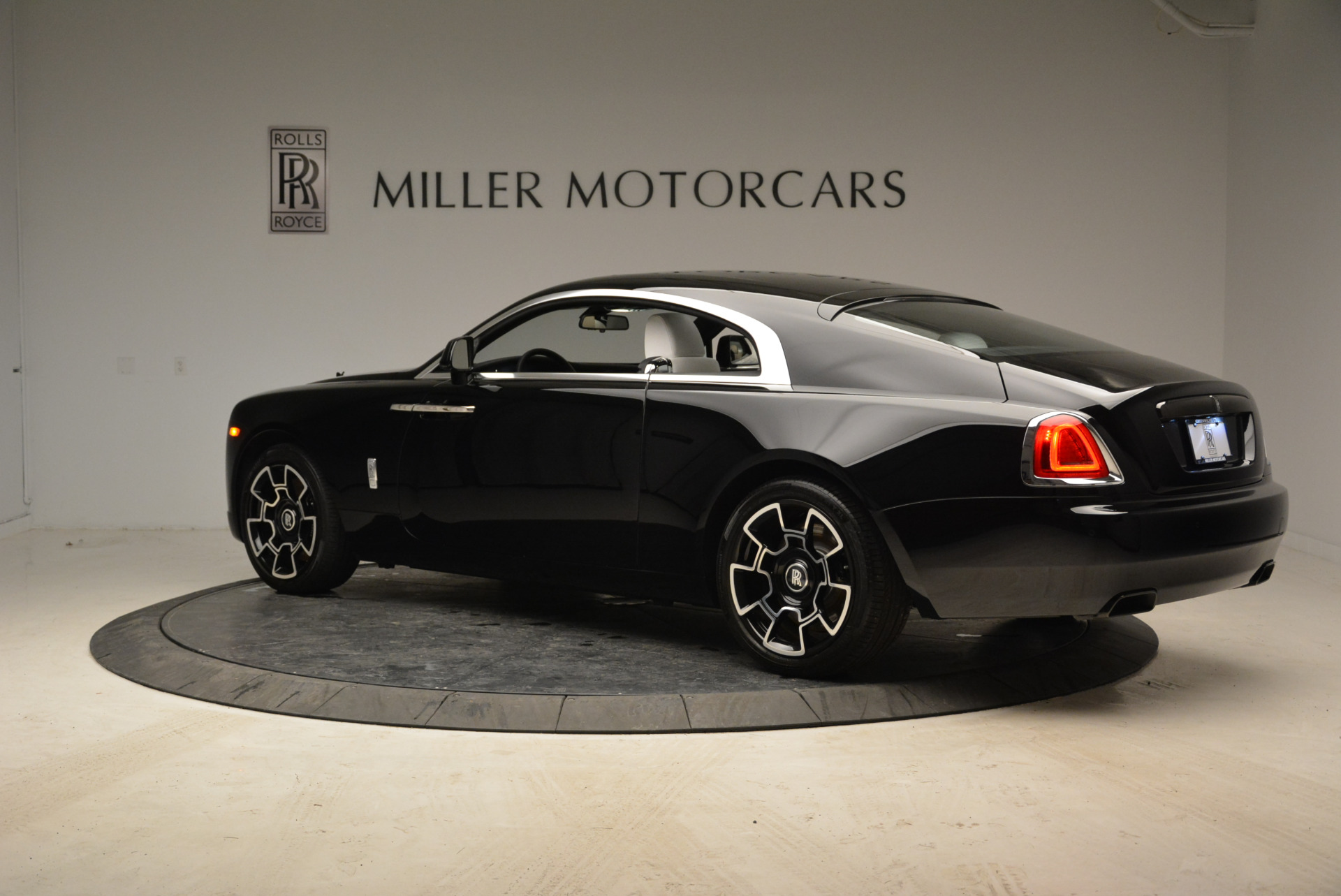 Used 2017 Rolls-Royce Wraith Black Badge For Sale In Greenwich, CT 1994_p4