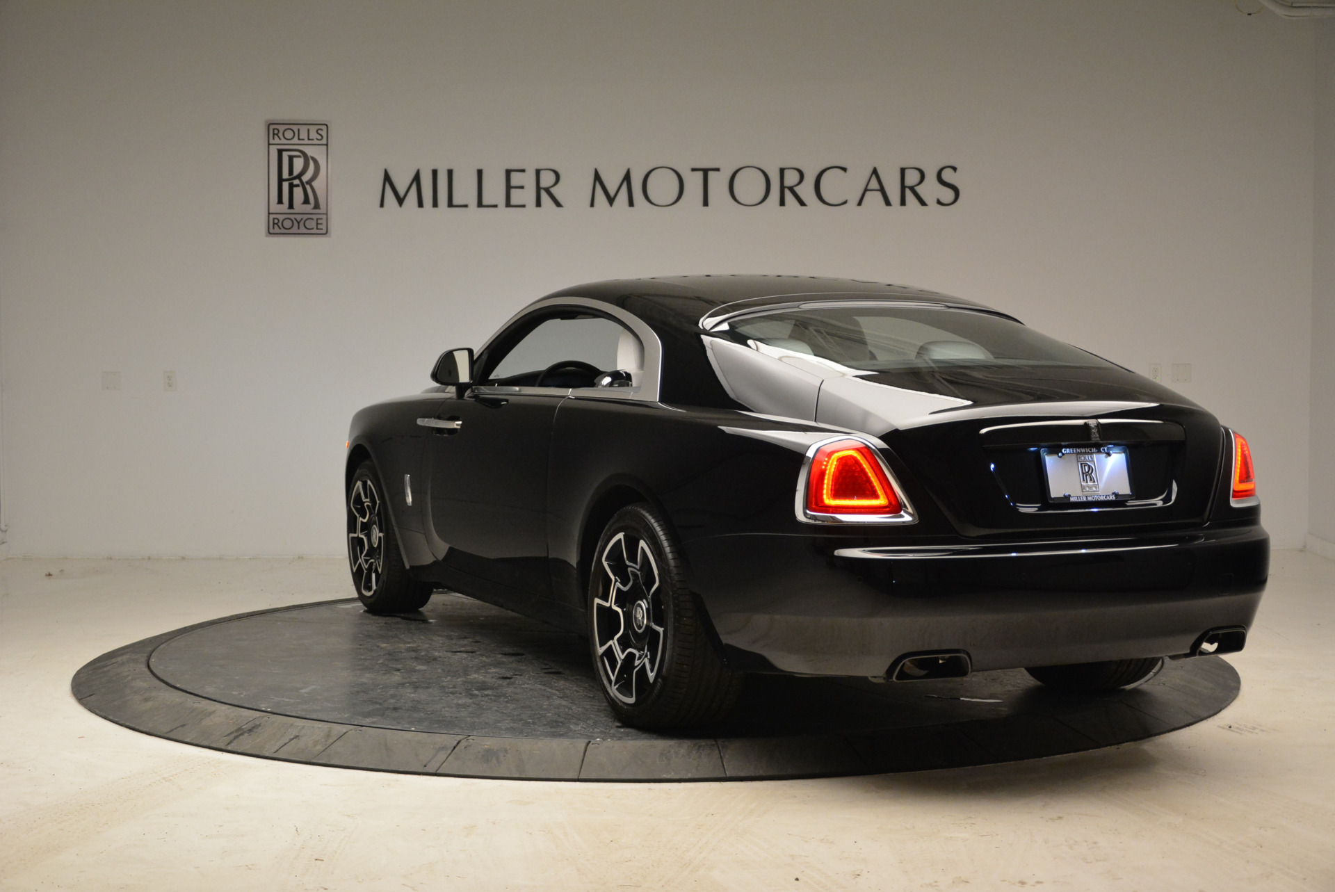 Used 2017 Rolls-Royce Wraith Black Badge For Sale In Greenwich, CT 1994_p5