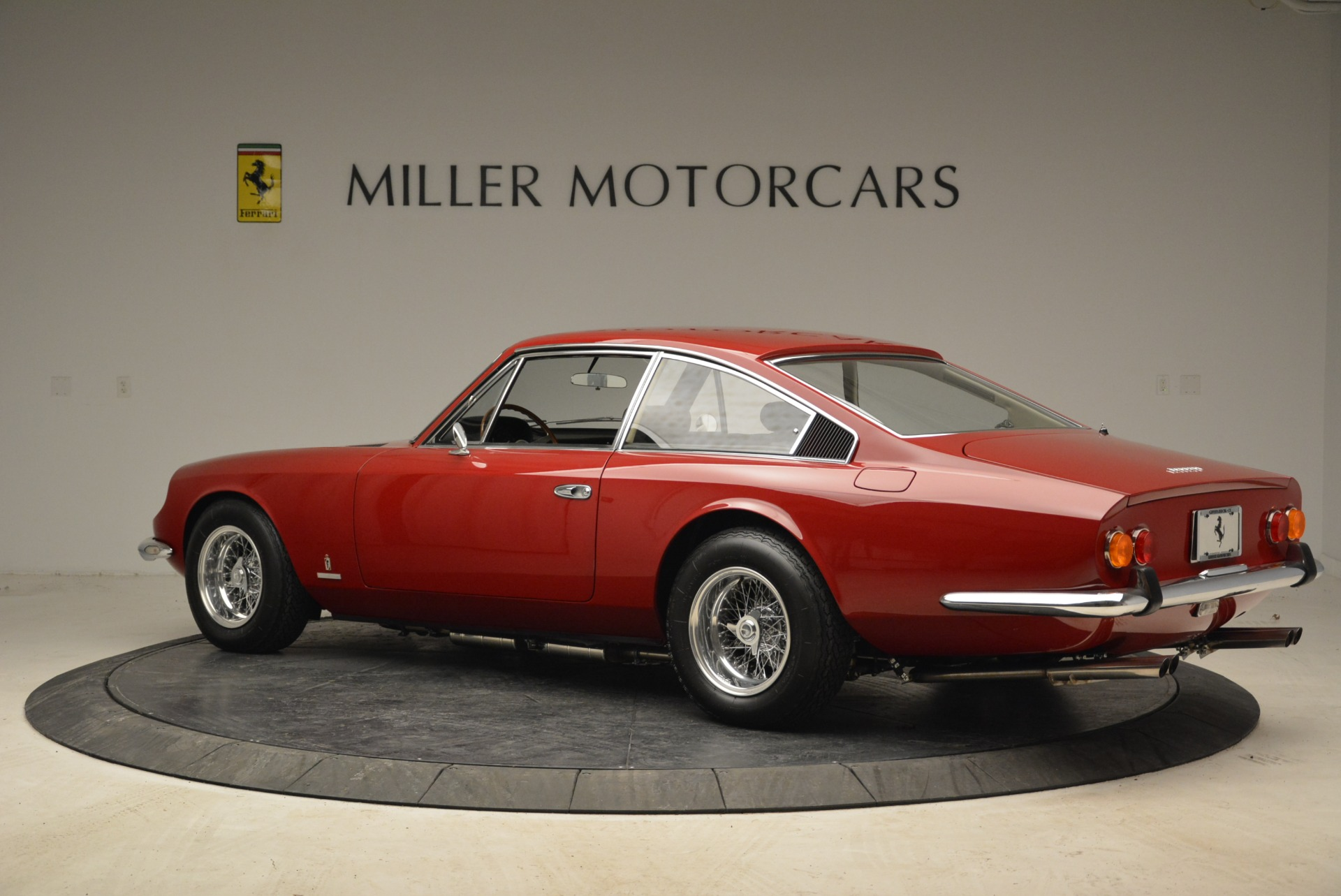 Used 1969 Ferrari 365 GT 2+2  For Sale In Greenwich, CT 1995_p4