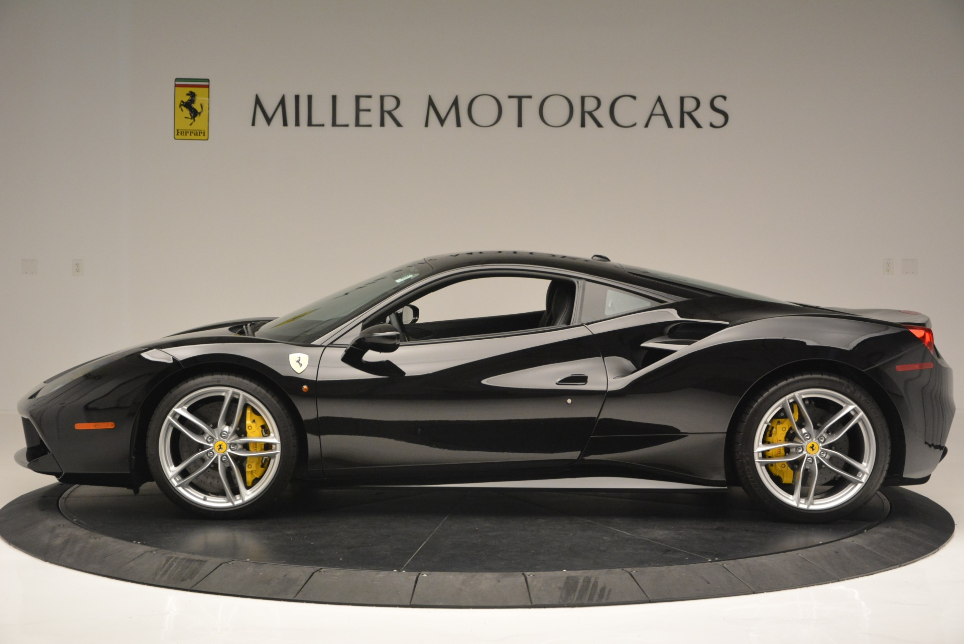 Used 2016 Ferrari 488 GTB  For Sale In Greenwich, CT 1996_p3