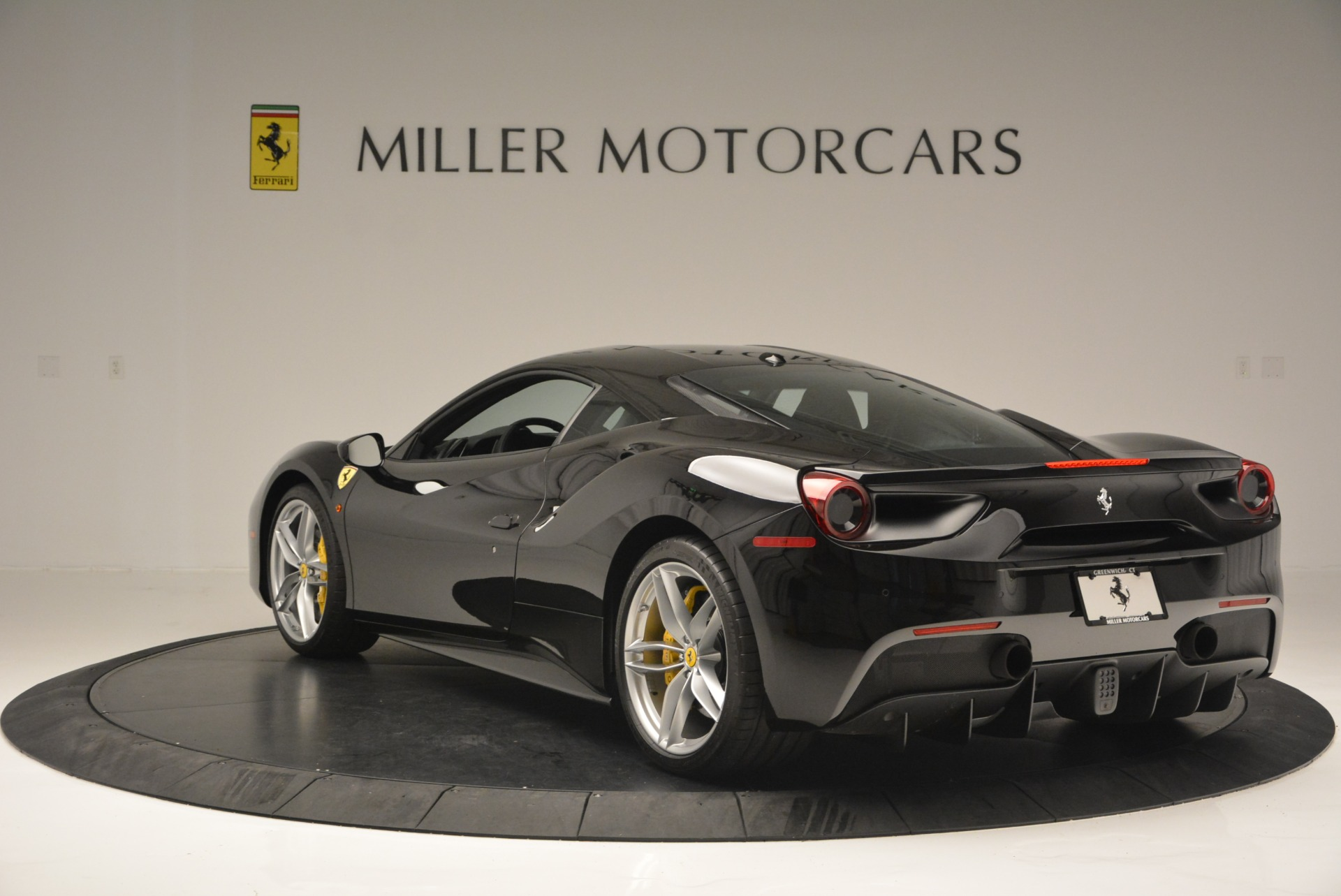 Used 2016 Ferrari 488 GTB  For Sale In Greenwich, CT 1996_p5