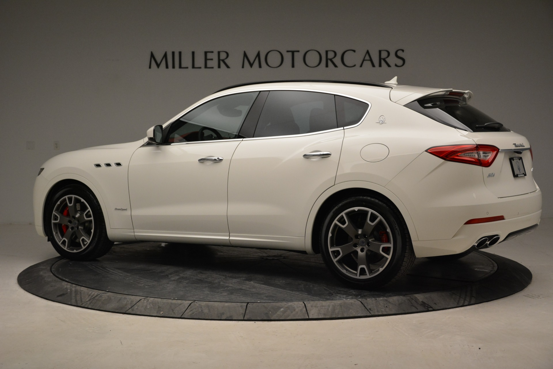 New 2018 Maserati Levante S Q4 Gransport For Sale In Greenwich, CT 2000_p4