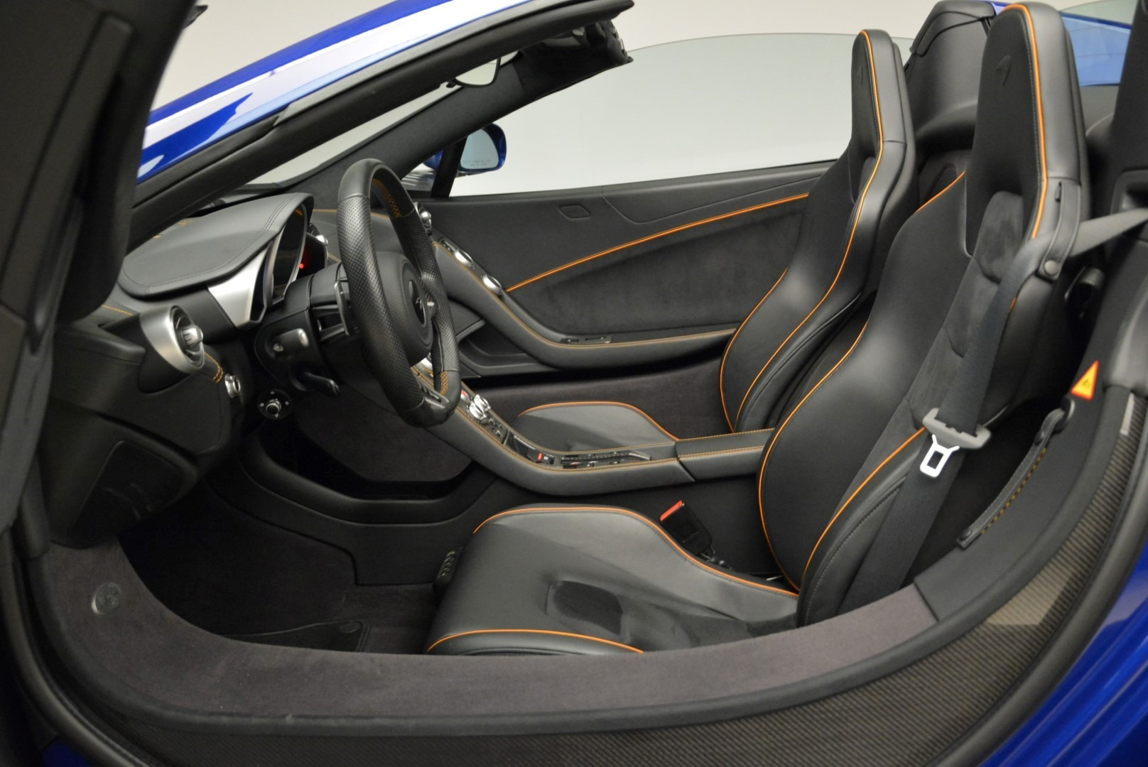 Used 2016 McLaren 650S Spider For Sale In Greenwich, CT 2013_p25