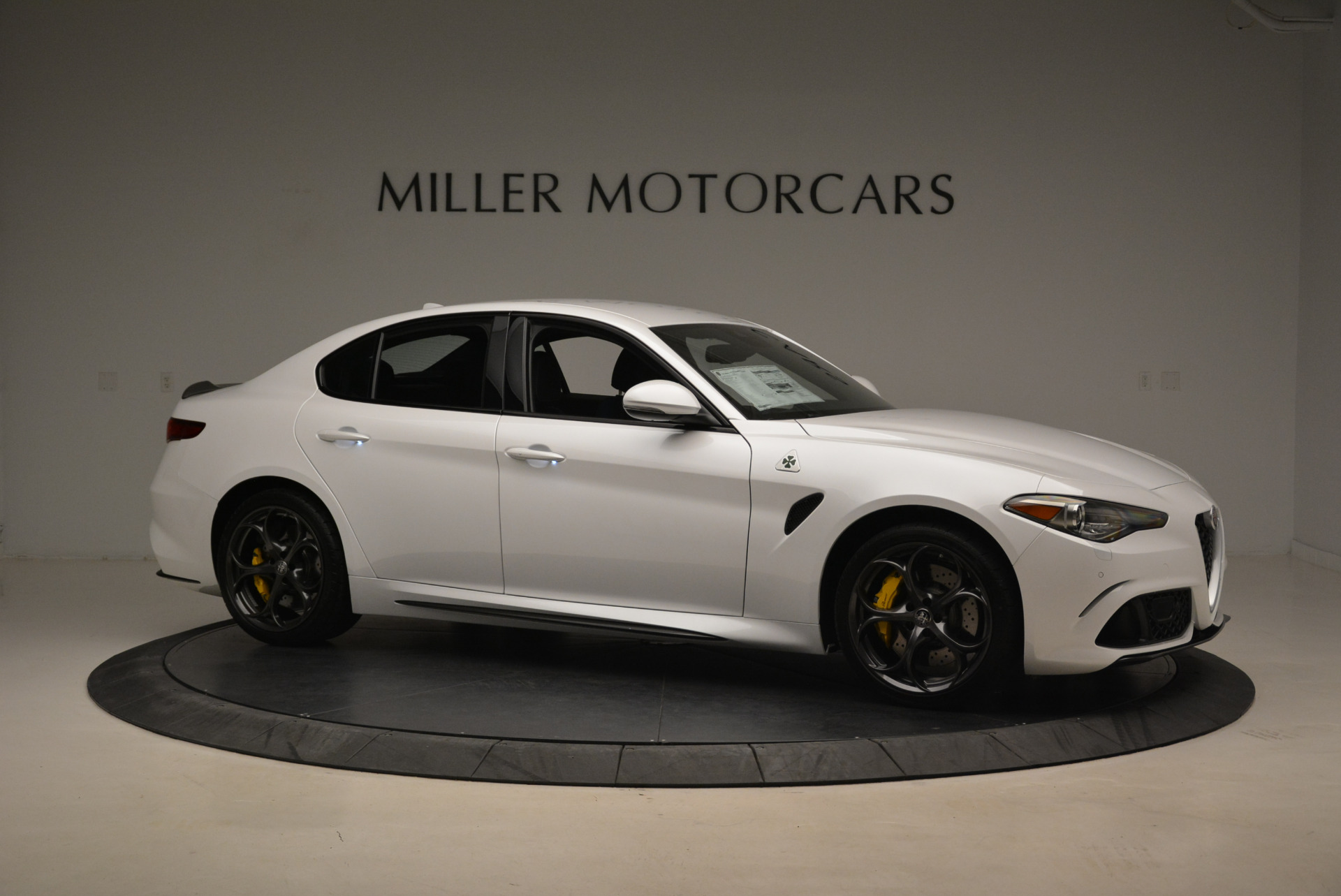 New 2018 Alfa Romeo Giulia Quadrifoglio For Sale In Greenwich, CT 2031_p10