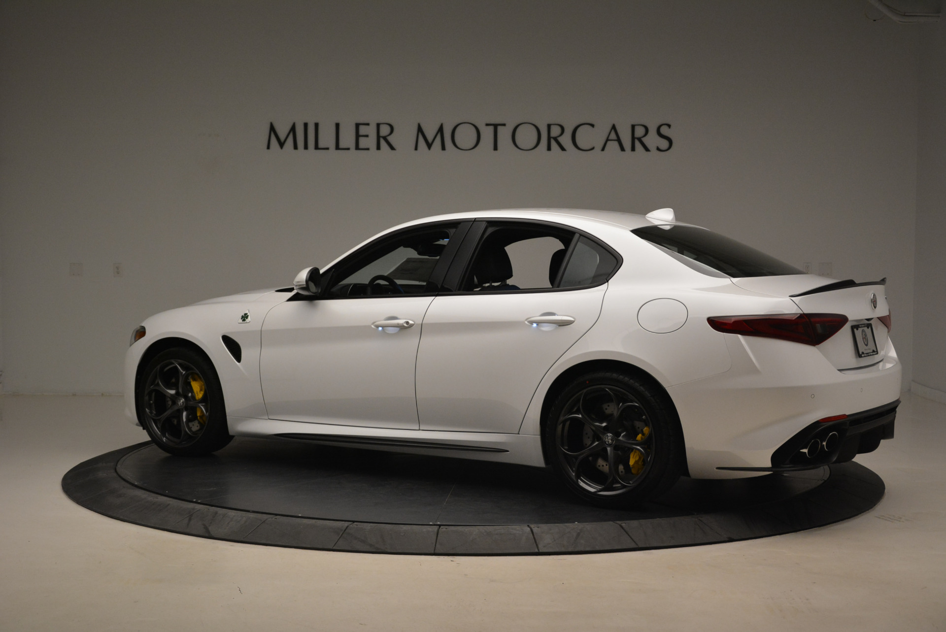 New 2018 Alfa Romeo Giulia Quadrifoglio For Sale In Greenwich, CT 2031_p4