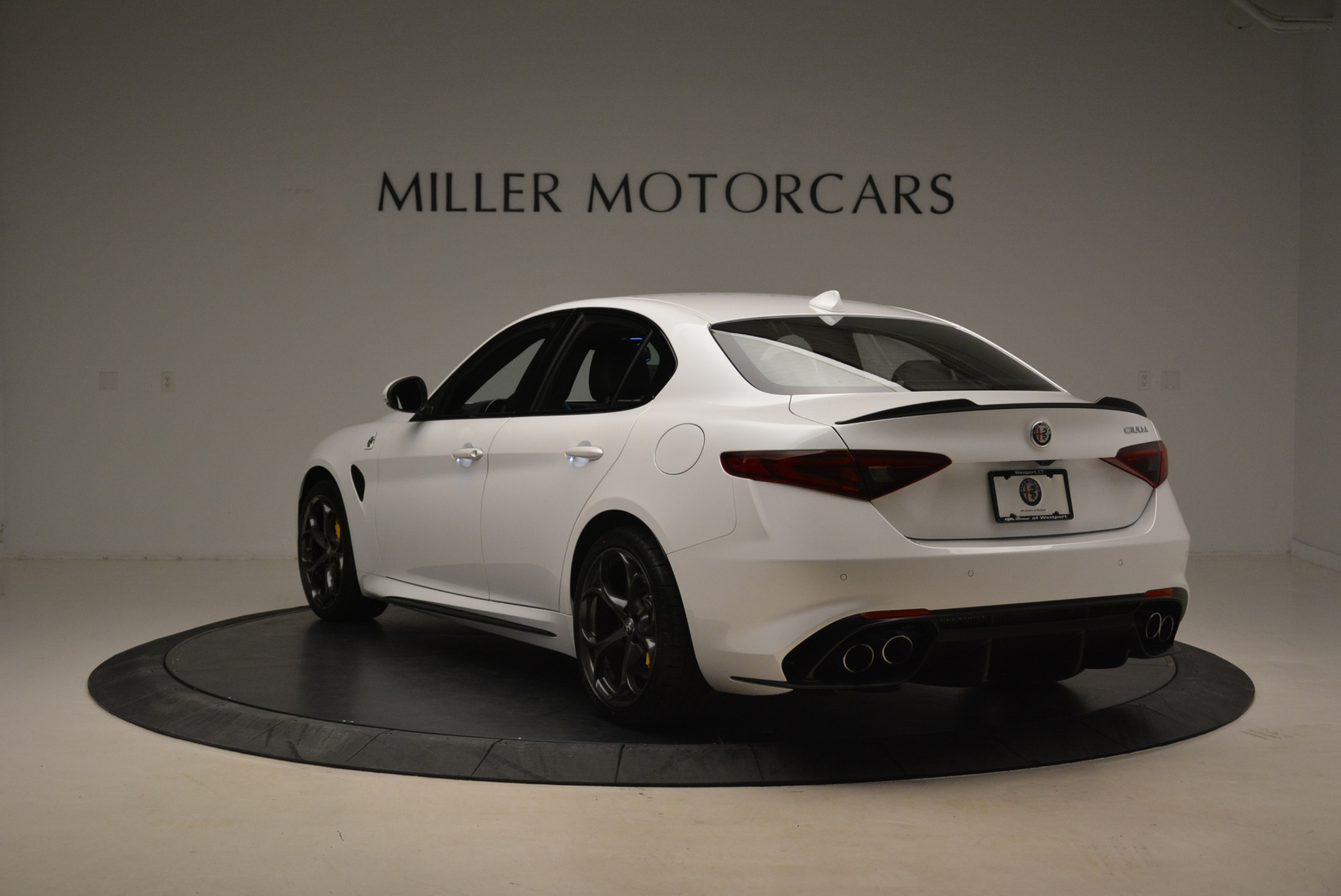 New 2018 Alfa Romeo Giulia Quadrifoglio For Sale In Greenwich, CT 2031_p5