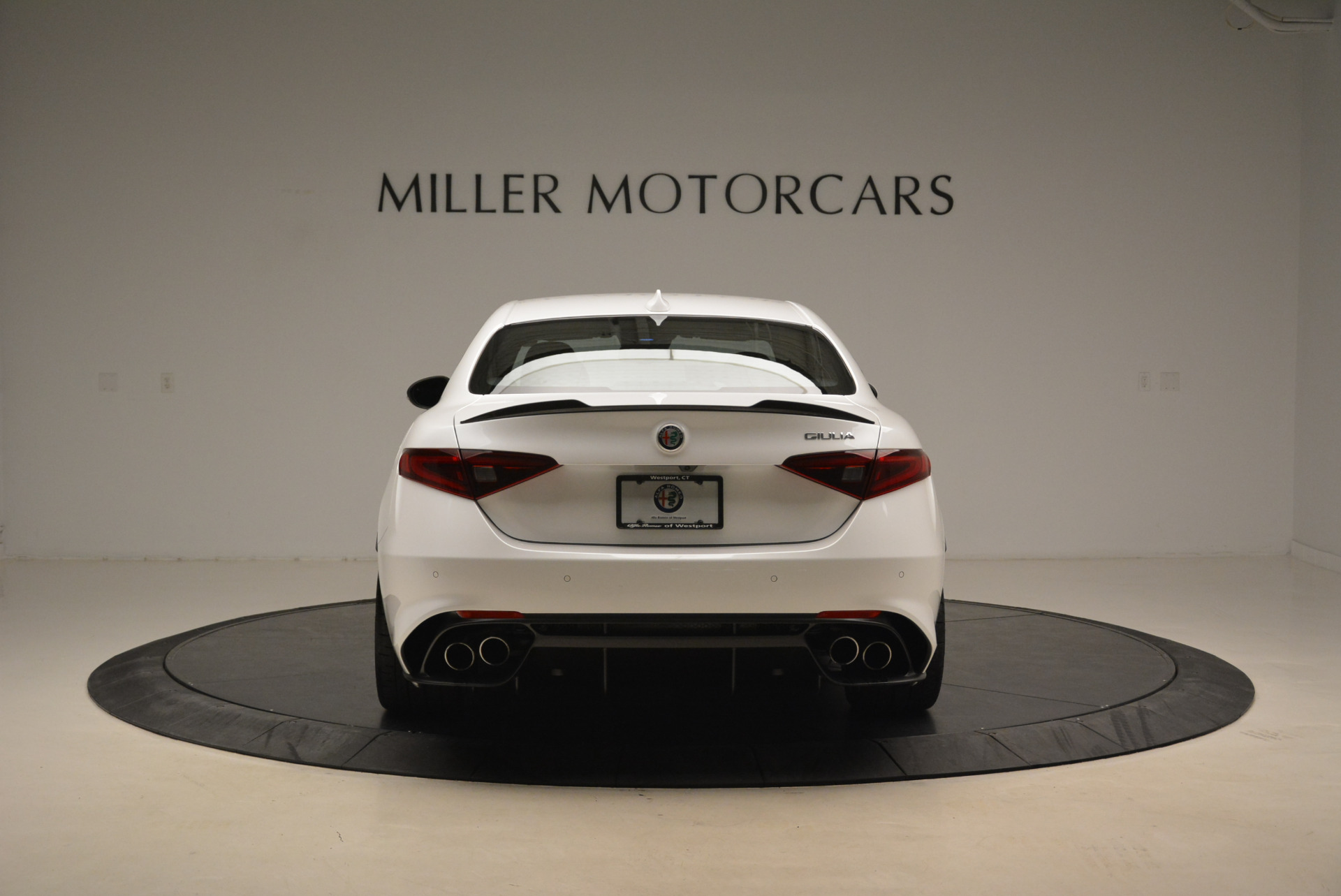 New 2018 Alfa Romeo Giulia Quadrifoglio For Sale In Greenwich, CT 2031_p6