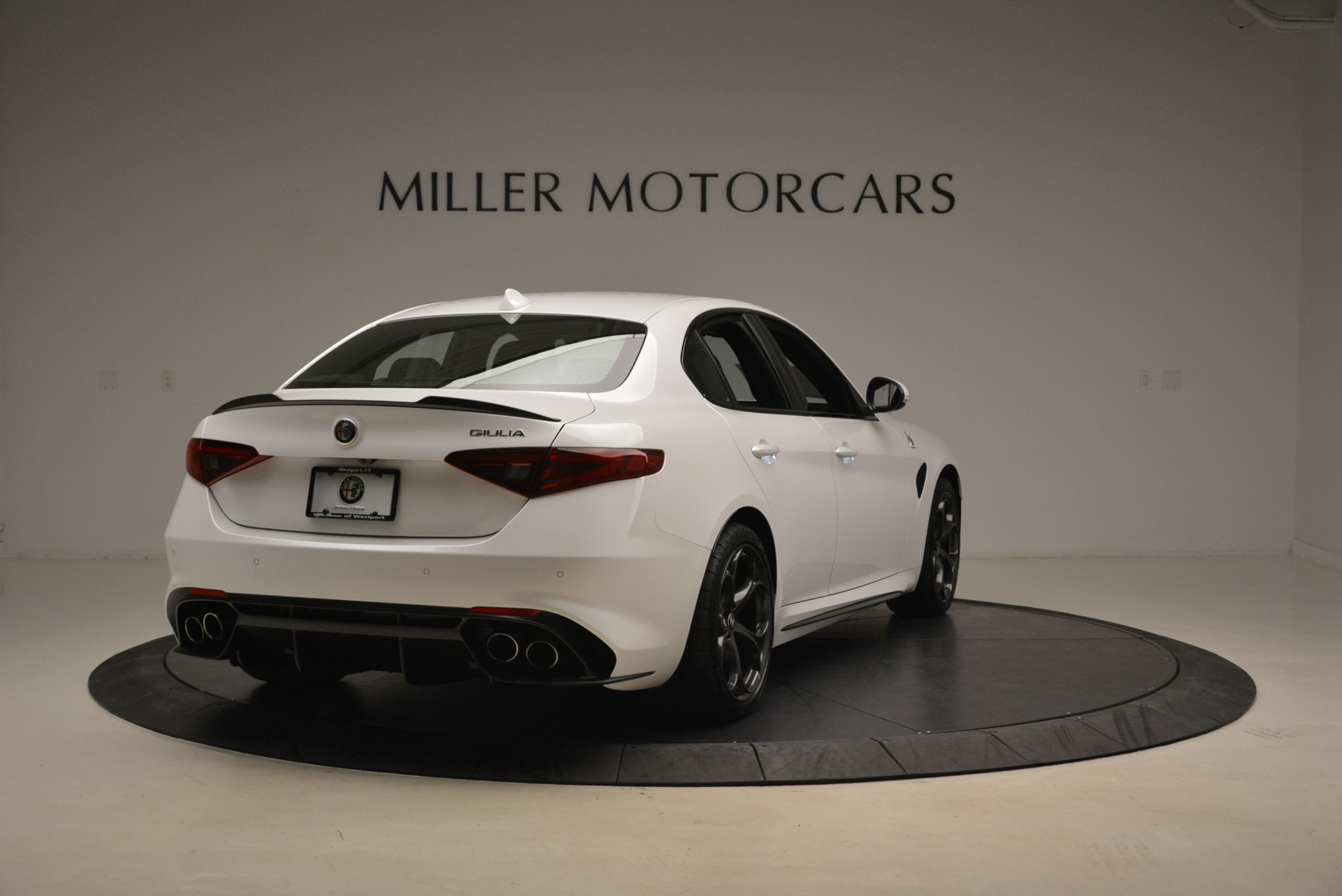 New 2018 Alfa Romeo Giulia Quadrifoglio For Sale In Greenwich, CT 2031_p7