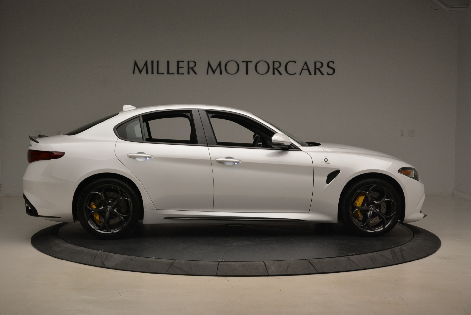 New 2018 Alfa Romeo Giulia Quadrifoglio For Sale In Greenwich, CT 2031_p9