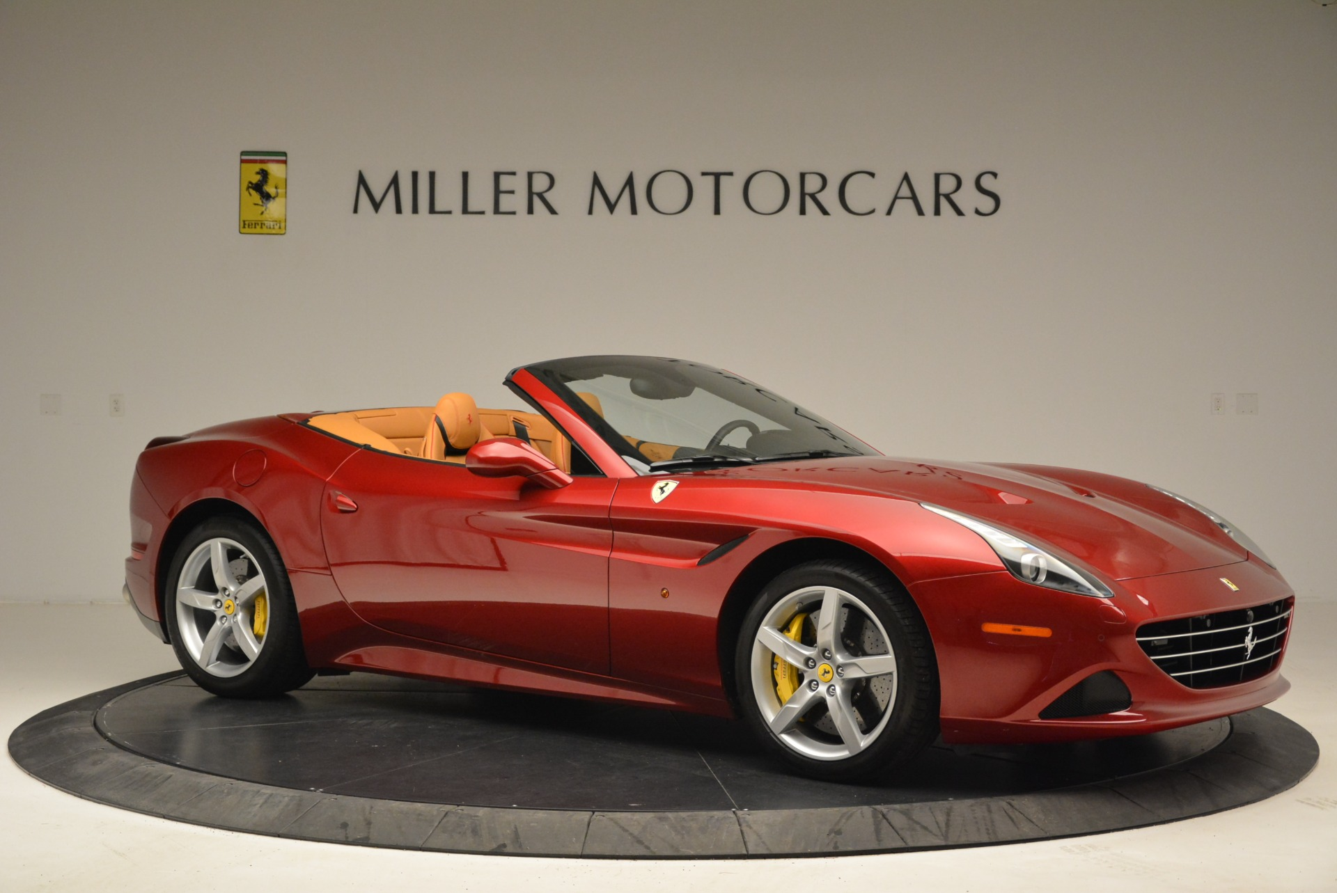 Used 2015 Ferrari California T  For Sale In Greenwich, CT 2033_p10