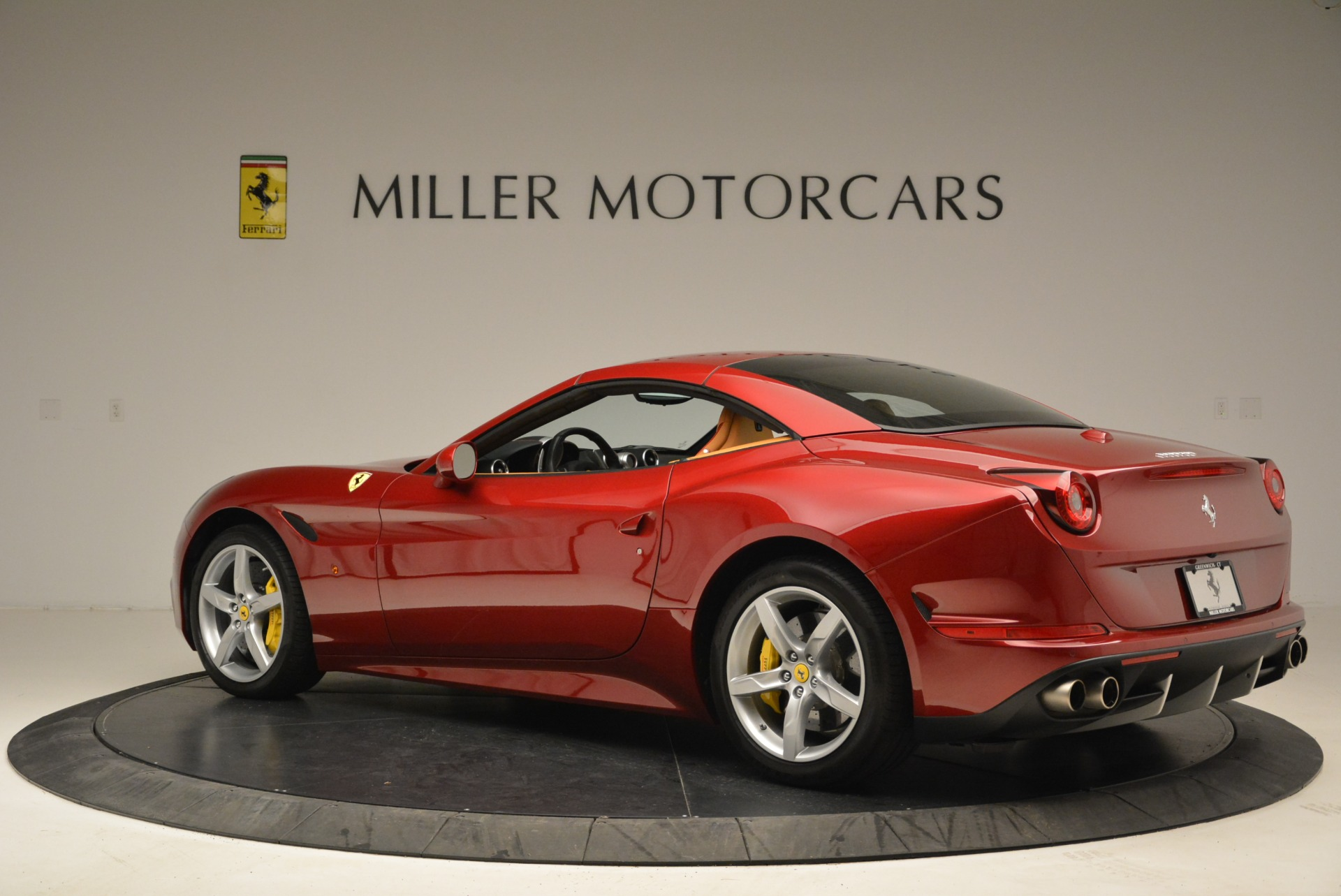 Used 2015 Ferrari California T  For Sale In Greenwich, CT 2033_p16