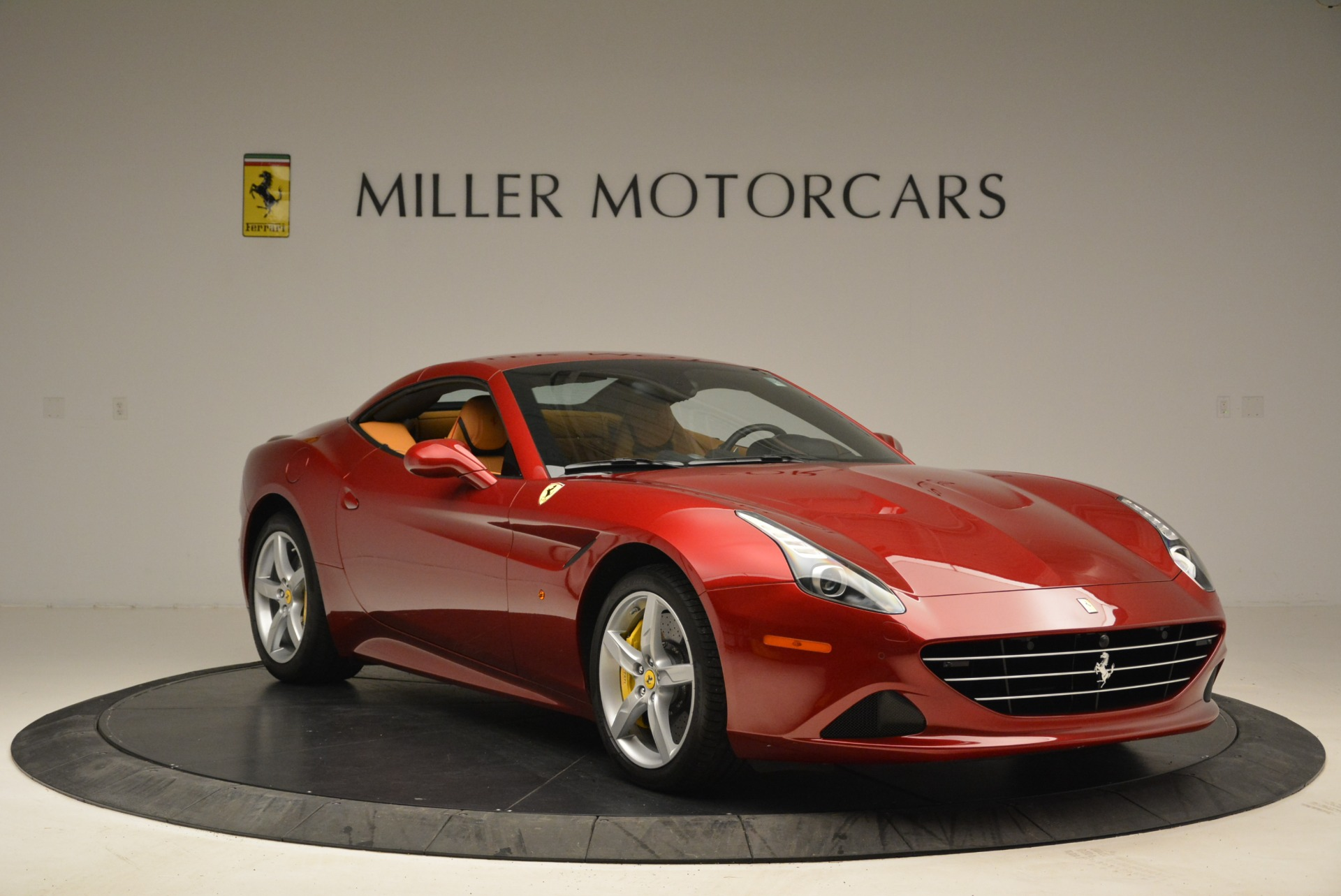 Used 2015 Ferrari California T  For Sale In Greenwich, CT 2033_p23