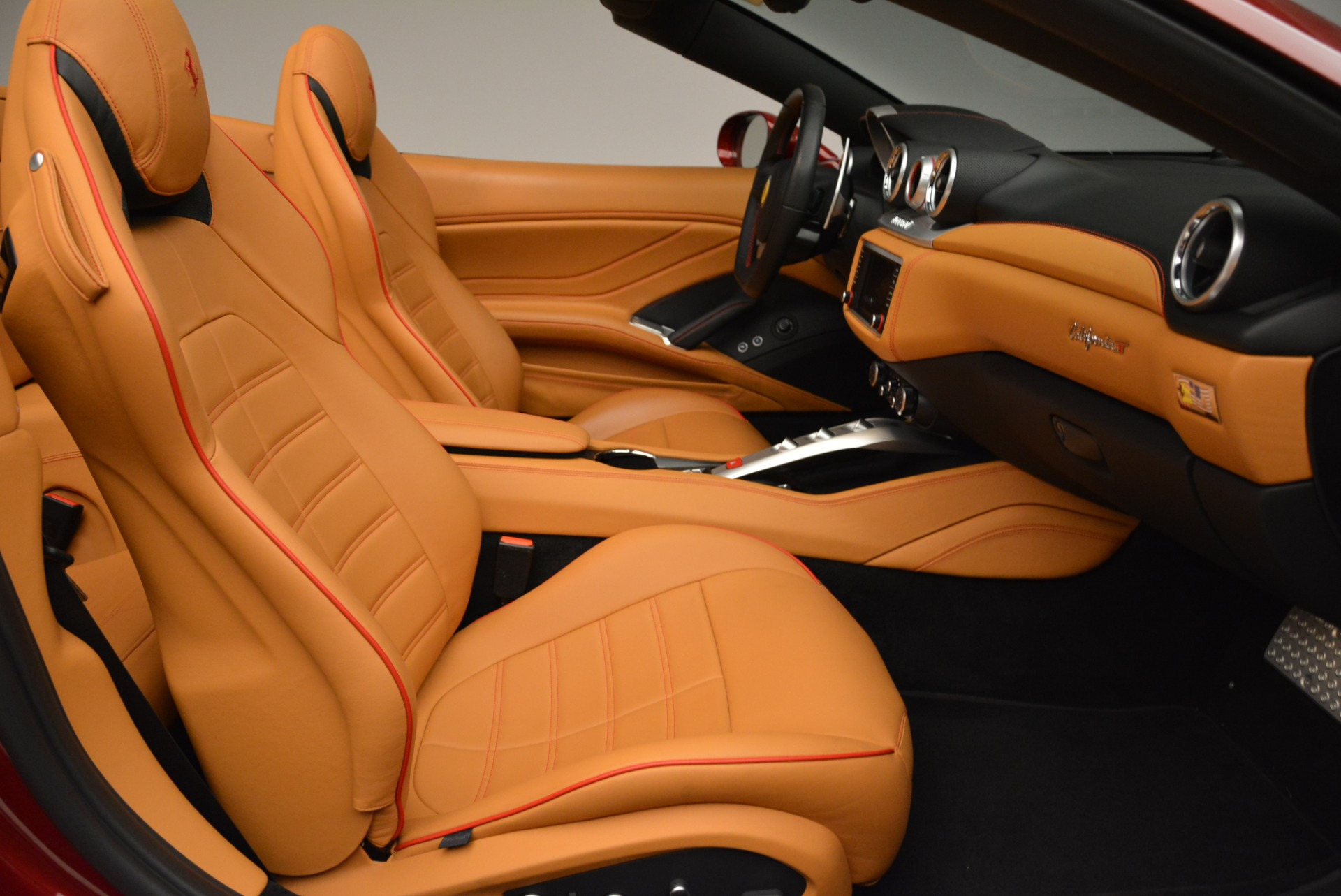 Used 2015 Ferrari California T  For Sale In Greenwich, CT 2033_p31