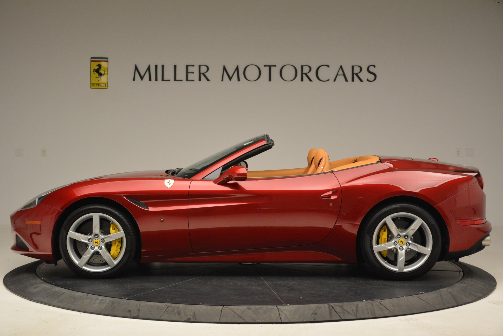 Used 2015 Ferrari California T  For Sale In Greenwich, CT 2033_p3