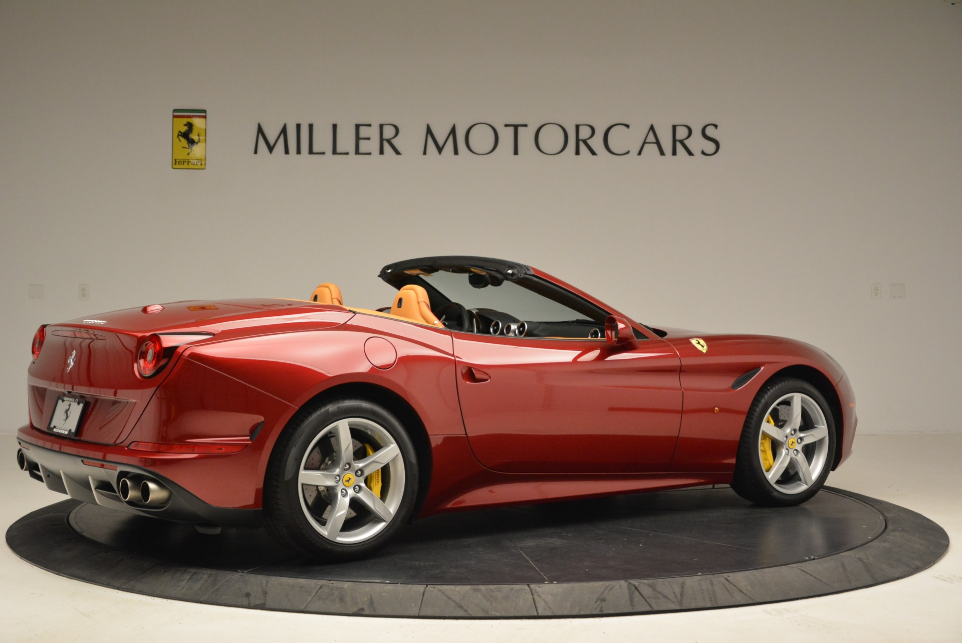 Used 2015 Ferrari California T  For Sale In Greenwich, CT 2033_p8