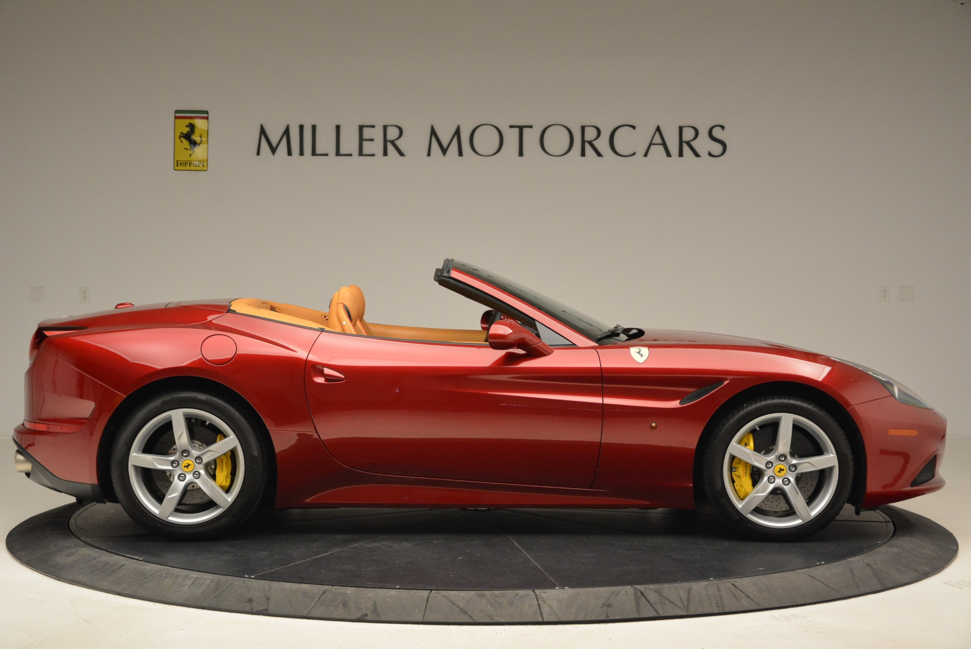 Used 2015 Ferrari California T  For Sale In Greenwich, CT 2033_p9