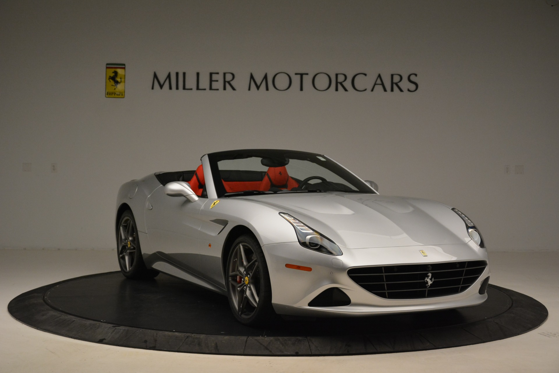 Used 2017 Ferrari California T Handling Speciale For Sale In Greenwich, CT 2037_p11