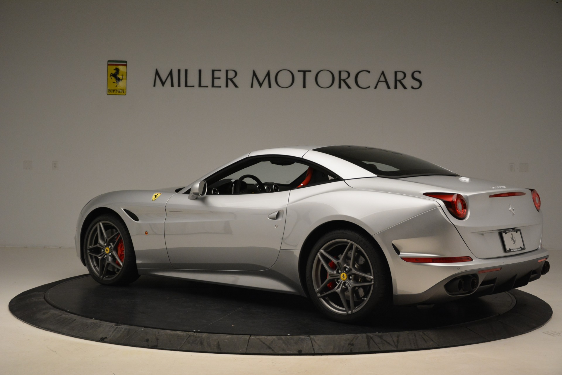 Used 2017 Ferrari California T Handling Speciale For Sale In Greenwich, CT 2037_p16