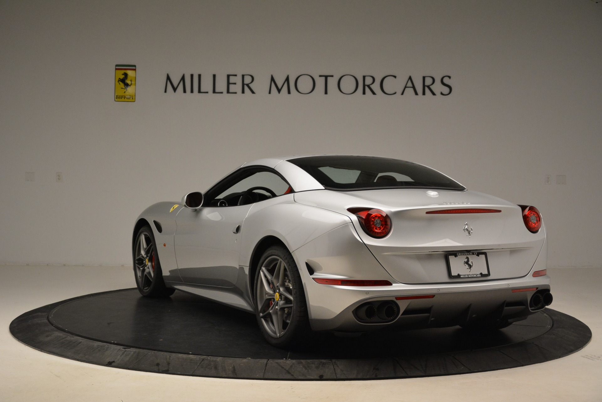 Used 2017 Ferrari California T Handling Speciale For Sale In Greenwich, CT 2037_p17