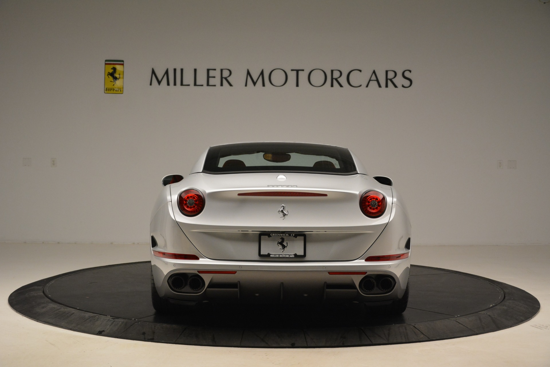 Used 2017 Ferrari California T Handling Speciale For Sale In Greenwich, CT 2037_p18