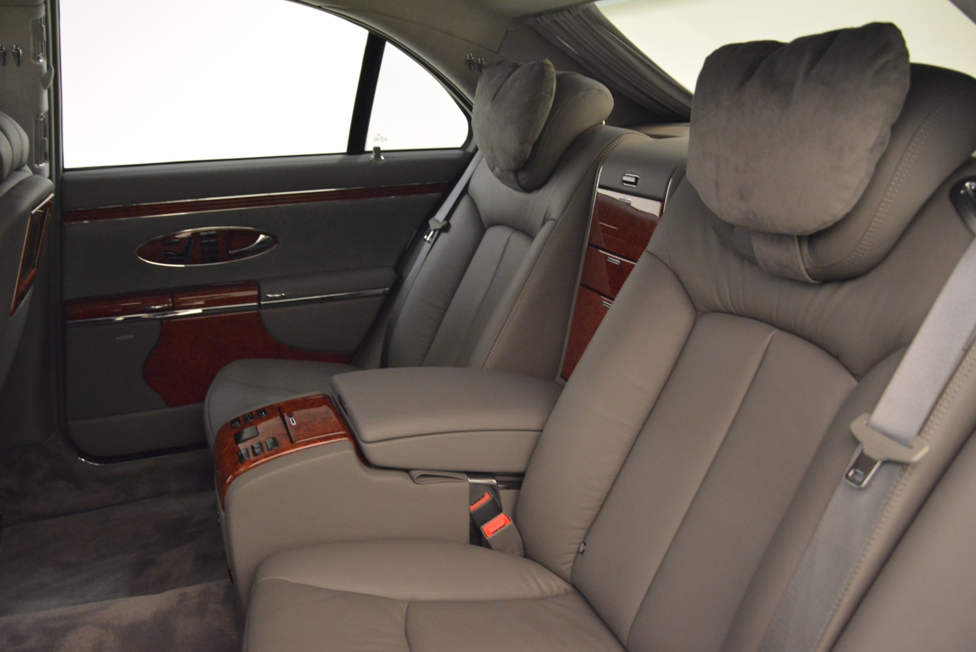 Used 2004 Maybach 57  For Sale In Greenwich, CT 2045_p21