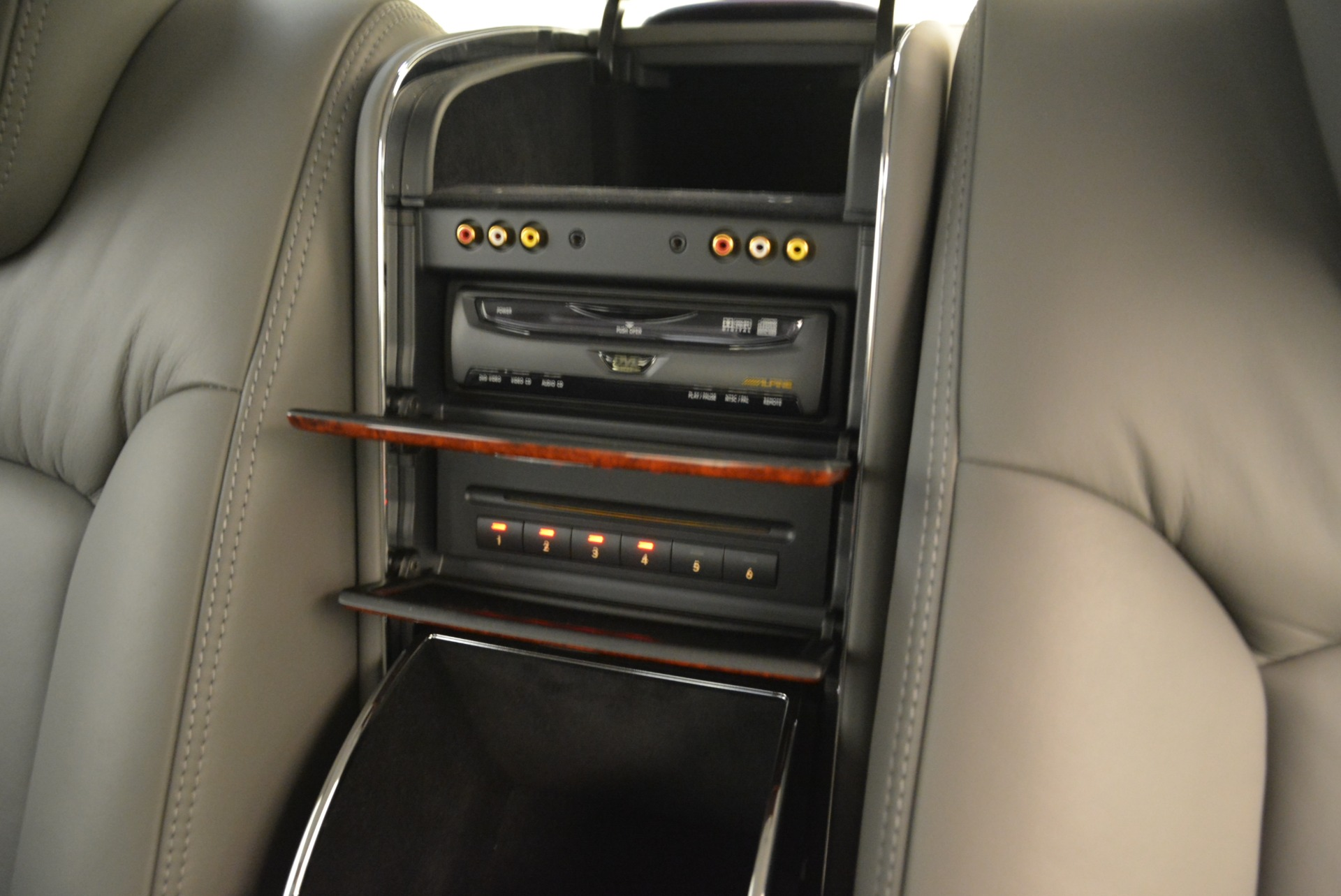 Used 2004 Maybach 57  For Sale In Greenwich, CT 2045_p31