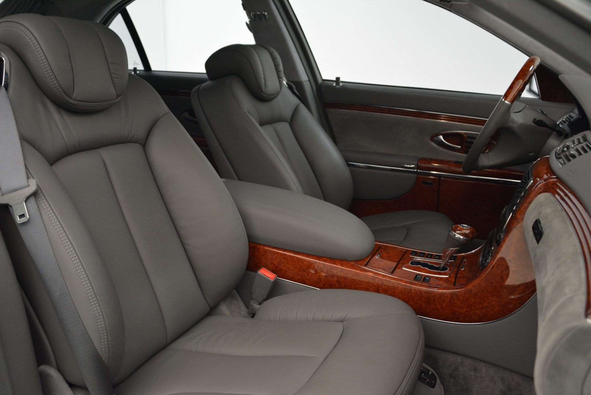 Used 2004 Maybach 57  For Sale In Greenwich, CT 2045_p37