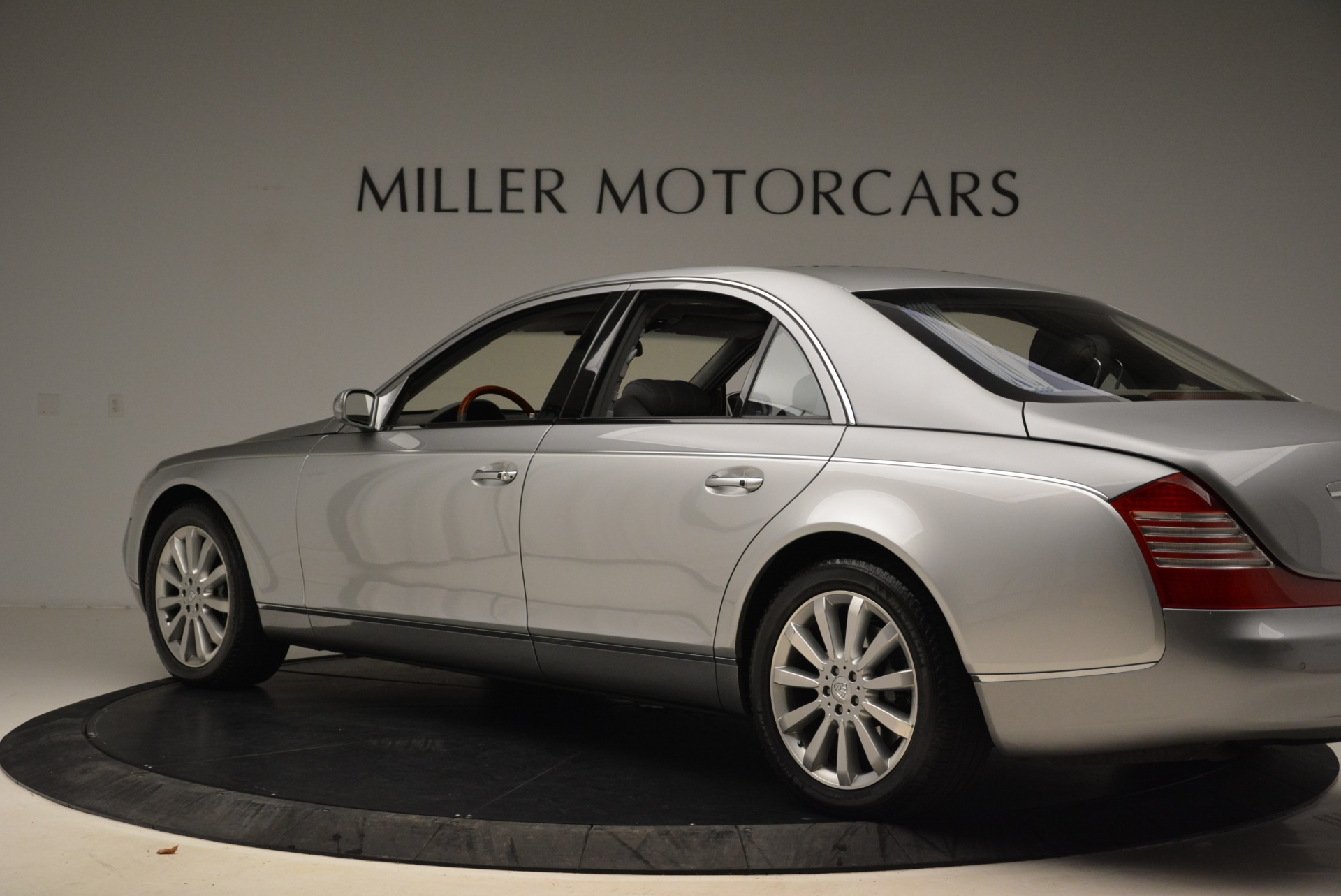 Used 2004 Maybach 57  For Sale In Greenwich, CT 2045_p4