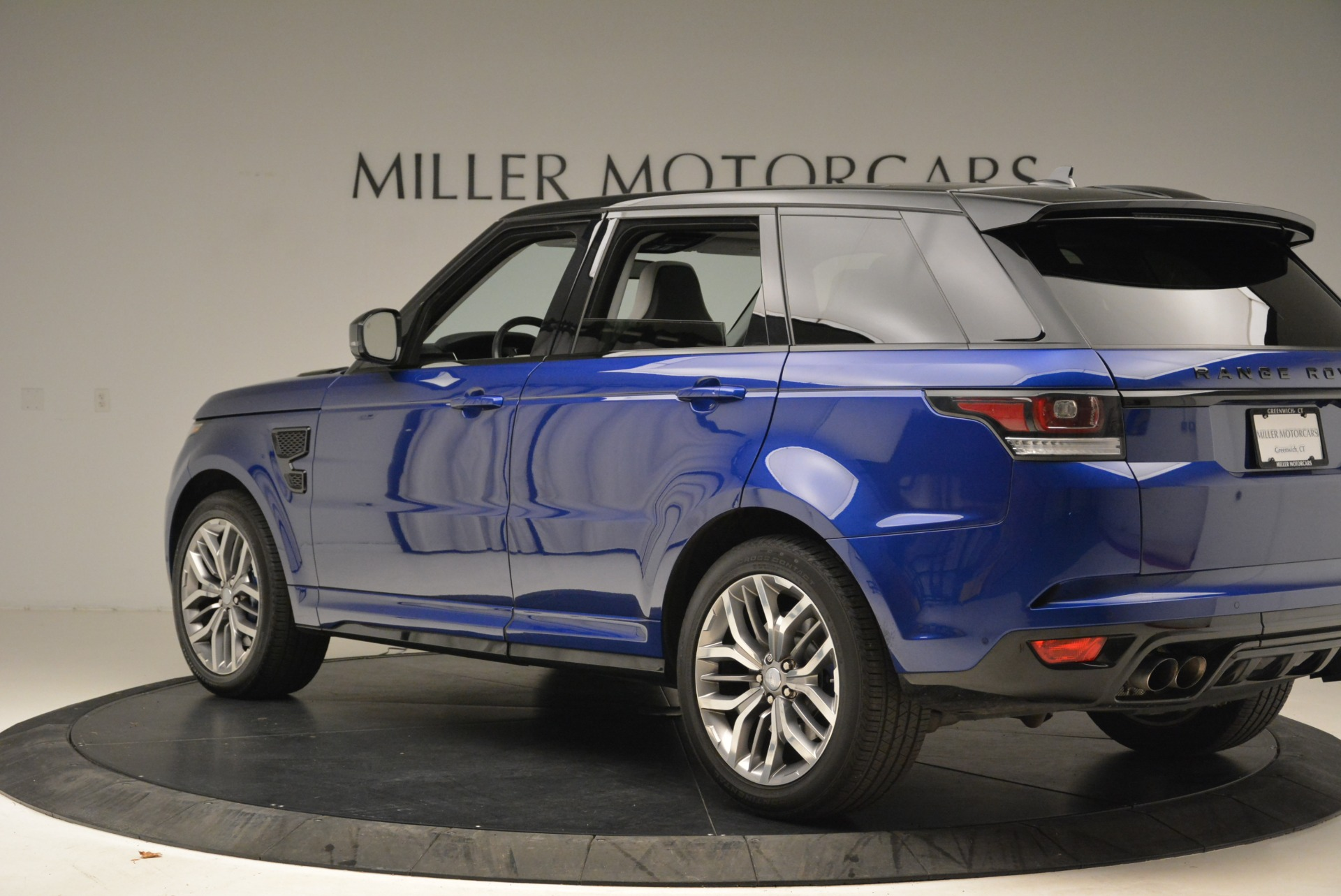 Used 2015 Land Rover Range Rover Sport SVR For Sale In Greenwich, CT 2046_p4