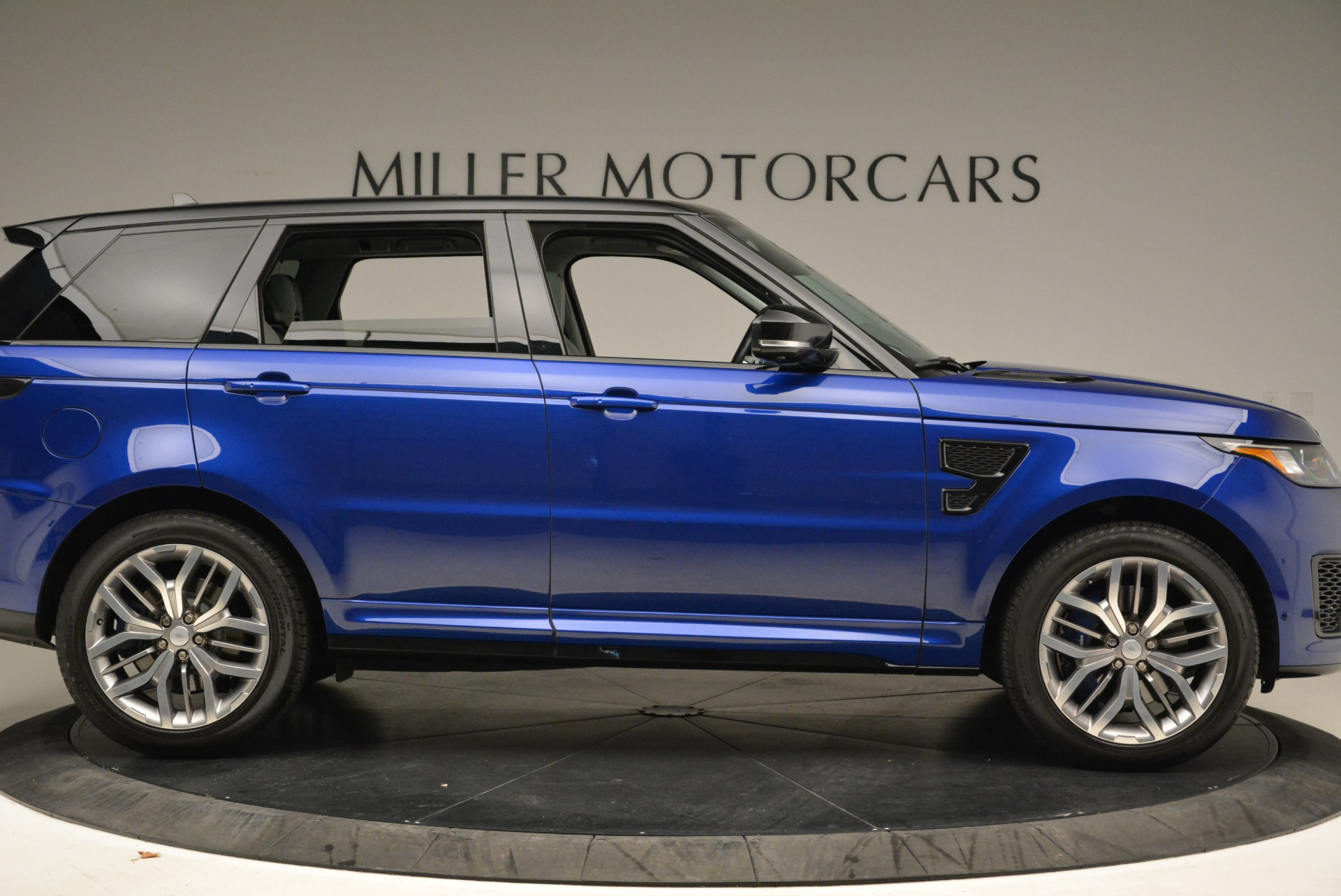 Used 2015 Land Rover Range Rover Sport SVR For Sale In Greenwich, CT 2046_p9