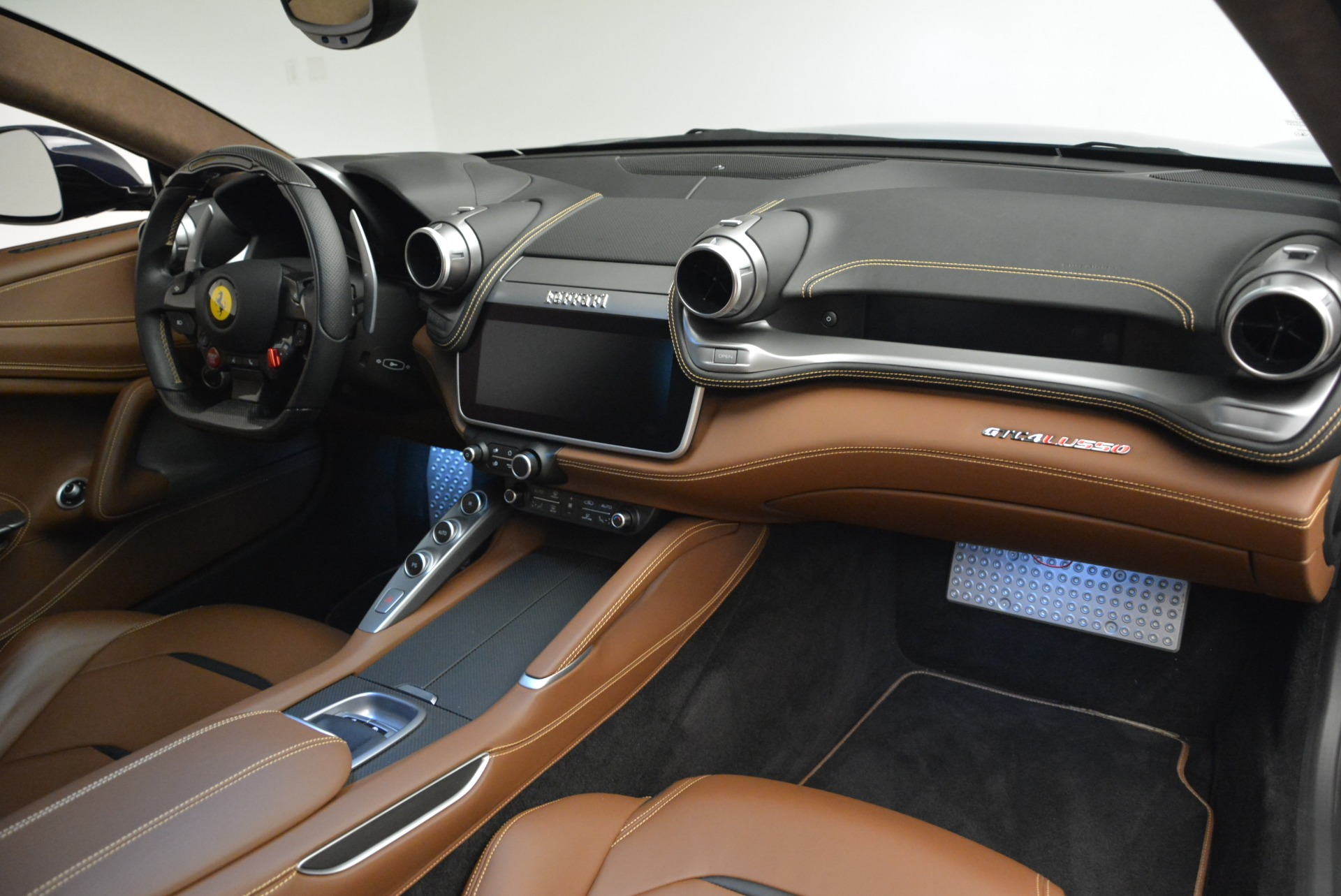 Used 2017 Ferrari GTC4Lusso  For Sale In Greenwich, CT 2047_p18