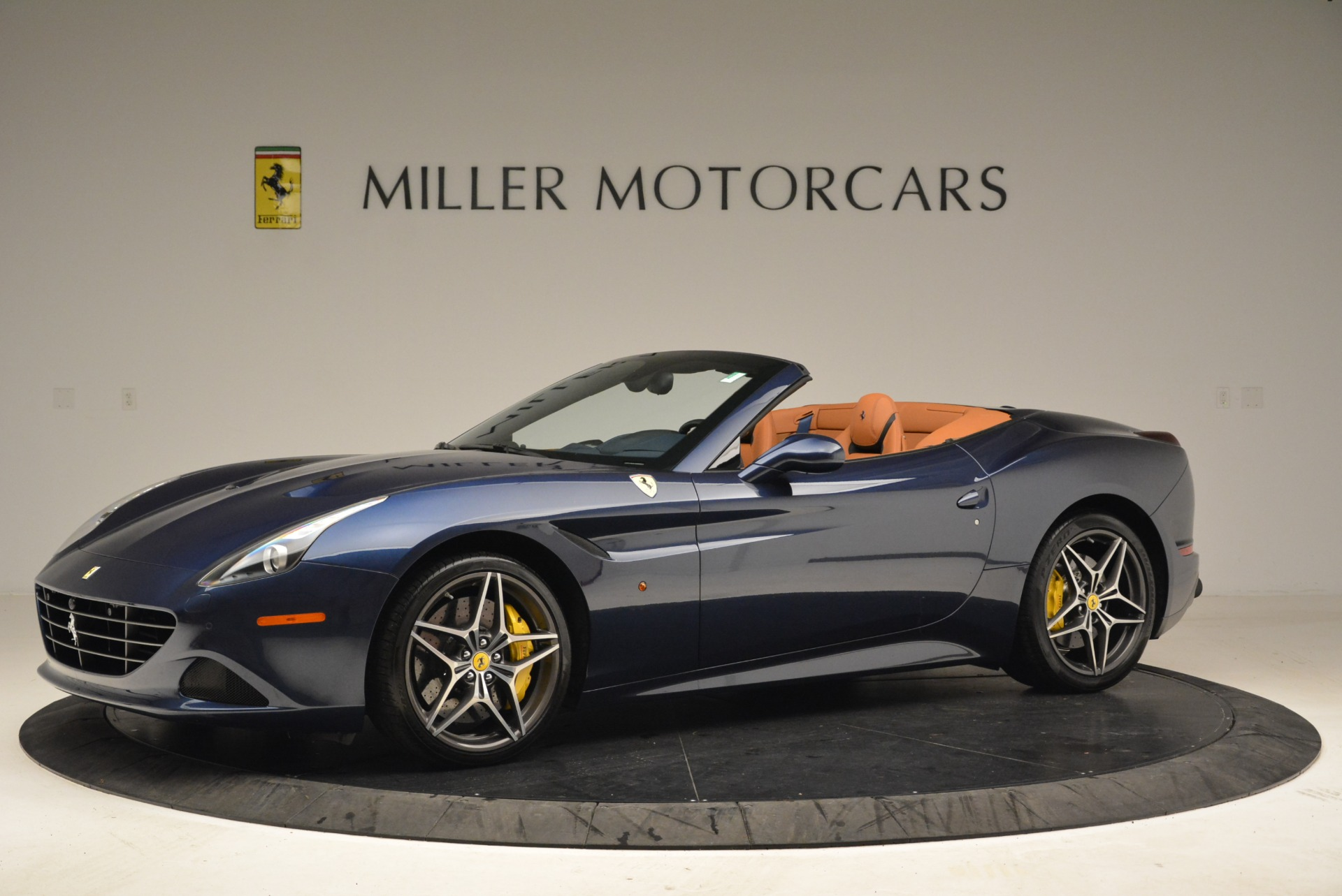 Used 2017 Ferrari California T Handling Speciale For Sale In Greenwich, CT 2052_p2