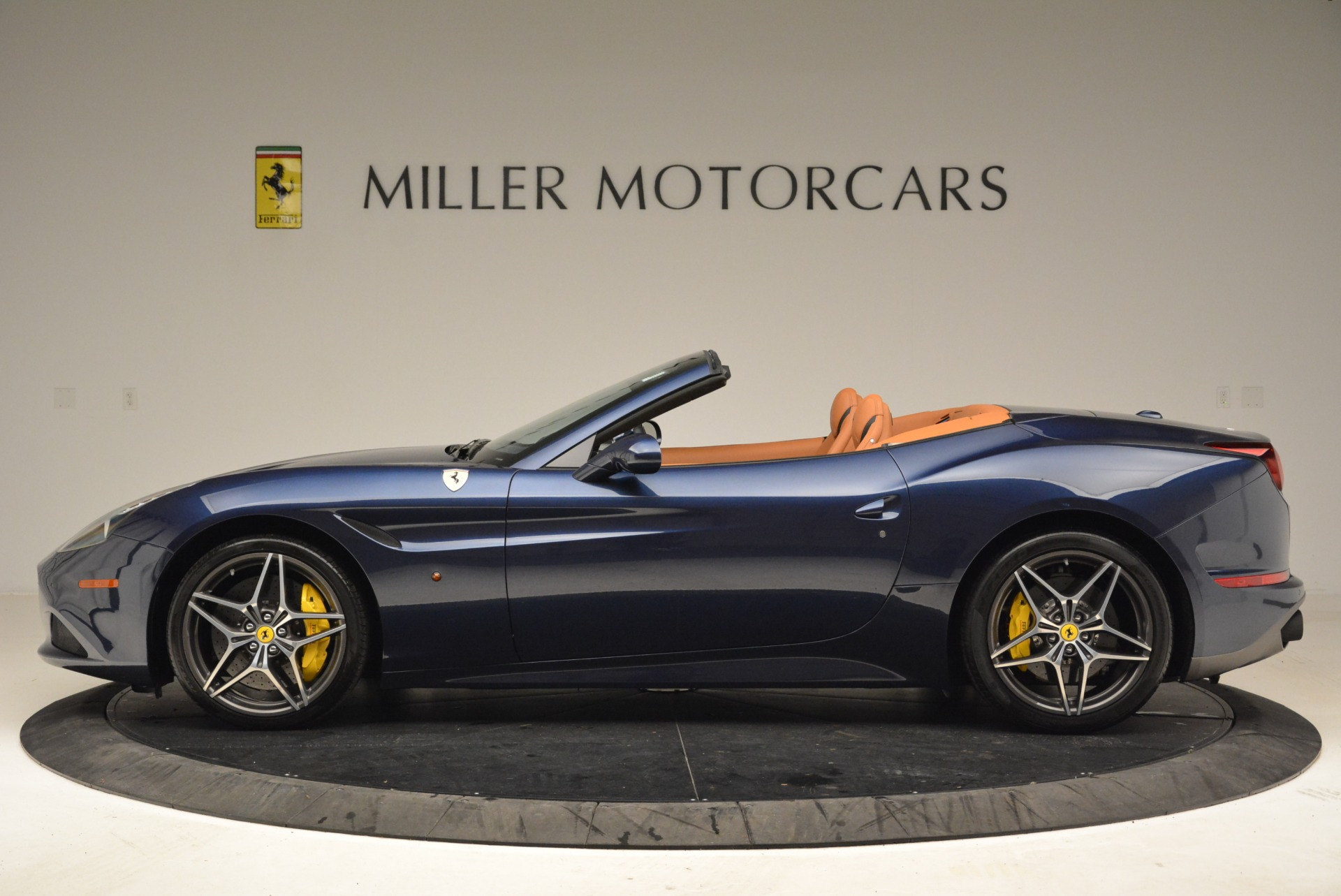 Used 2017 Ferrari California T Handling Speciale For Sale In Greenwich, CT 2052_p3
