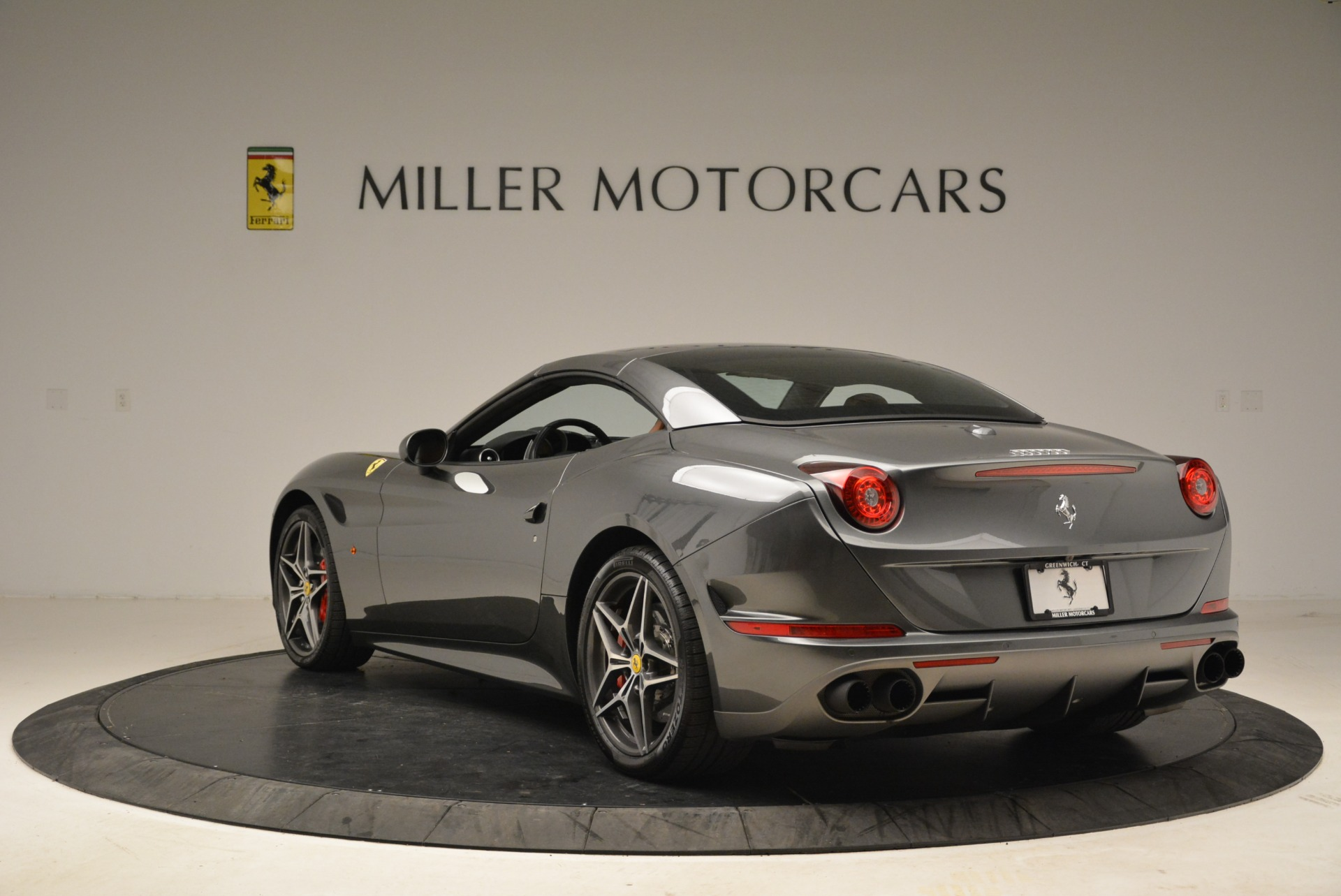 Used 2017 Ferrari California T Handling Speciale For Sale In Greenwich, CT 2054_p17