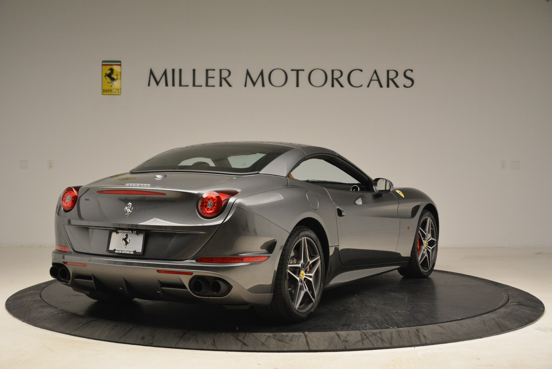 Used 2017 Ferrari California T Handling Speciale For Sale In Greenwich, CT 2054_p19